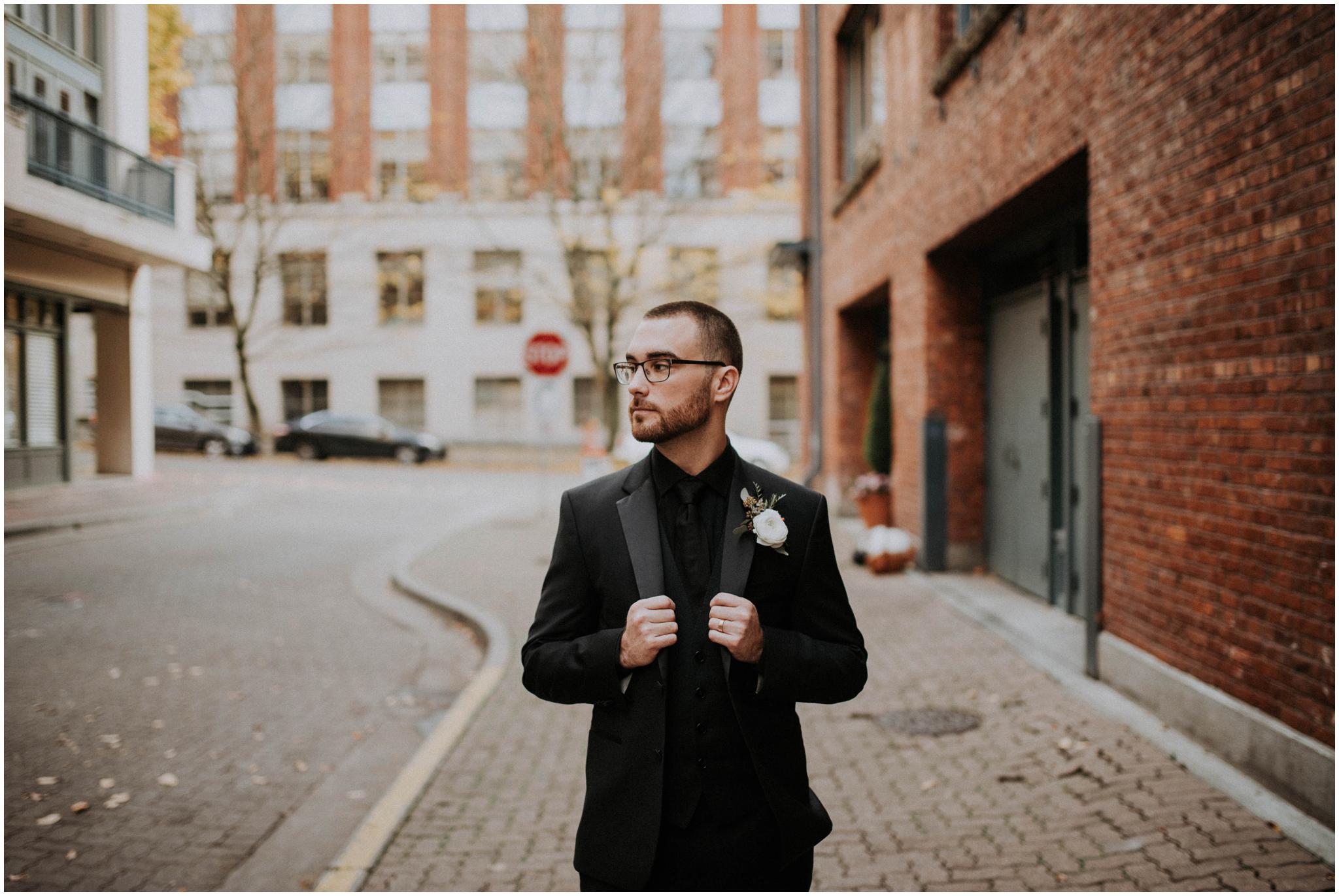 danny+mackenzie+downtown-seattle-axis-wedding-seattle-photographer-025.jpg