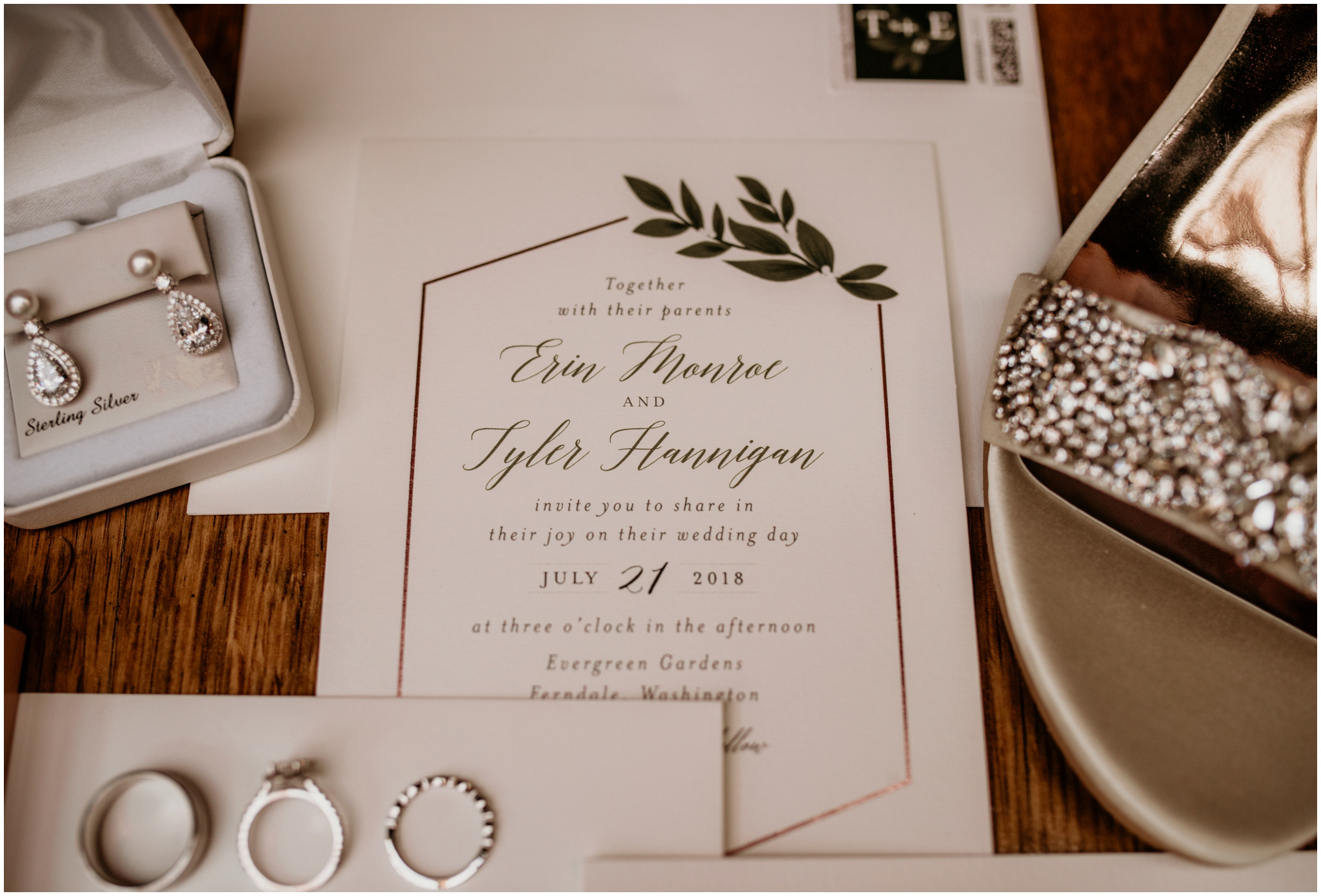 erin-and-tyler-evergreen-gardens-bellingham-wedding-photographer-005.jpg