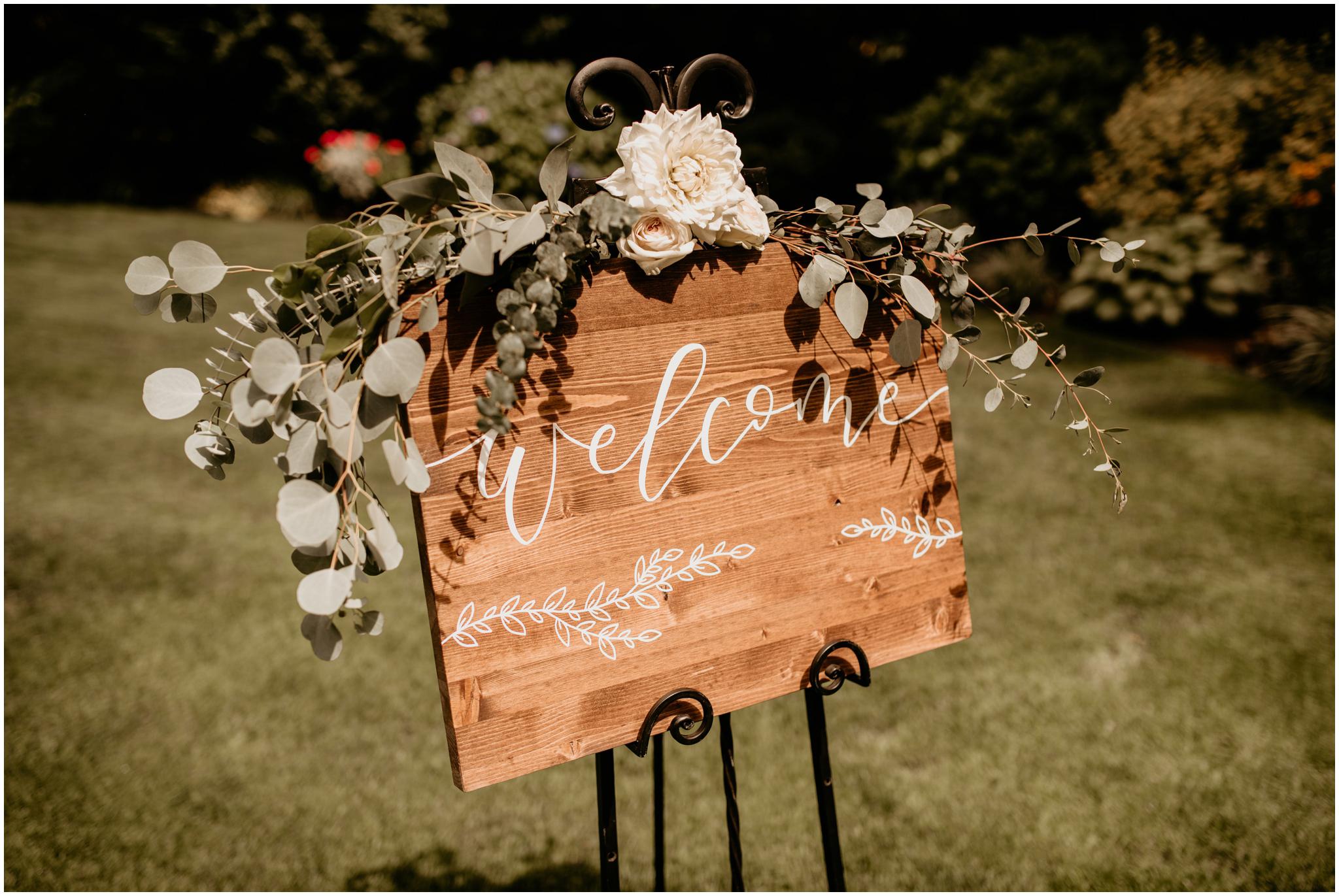 erin-and-tyler-evergreen-gardens-bellingham-wedding-photographer-058.jpg