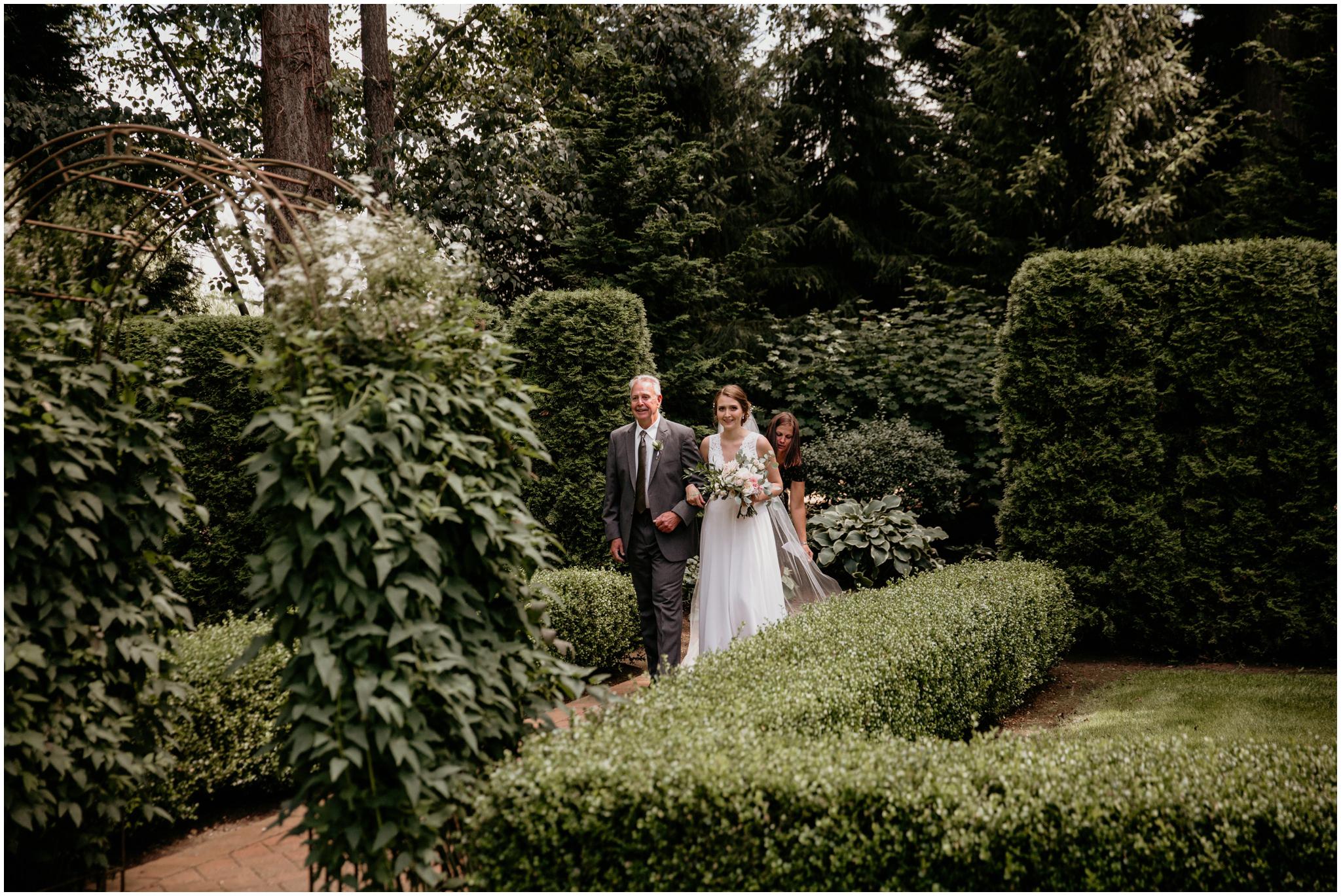 erin-and-tyler-evergreen-gardens-bellingham-wedding-photographer-059.jpg