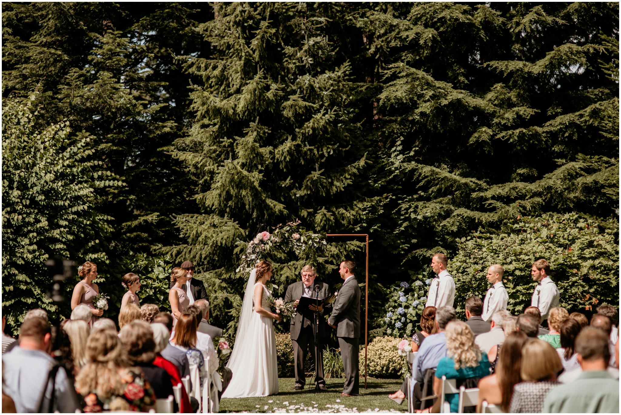 erin-and-tyler-evergreen-gardens-bellingham-wedding-photographer-063.jpg