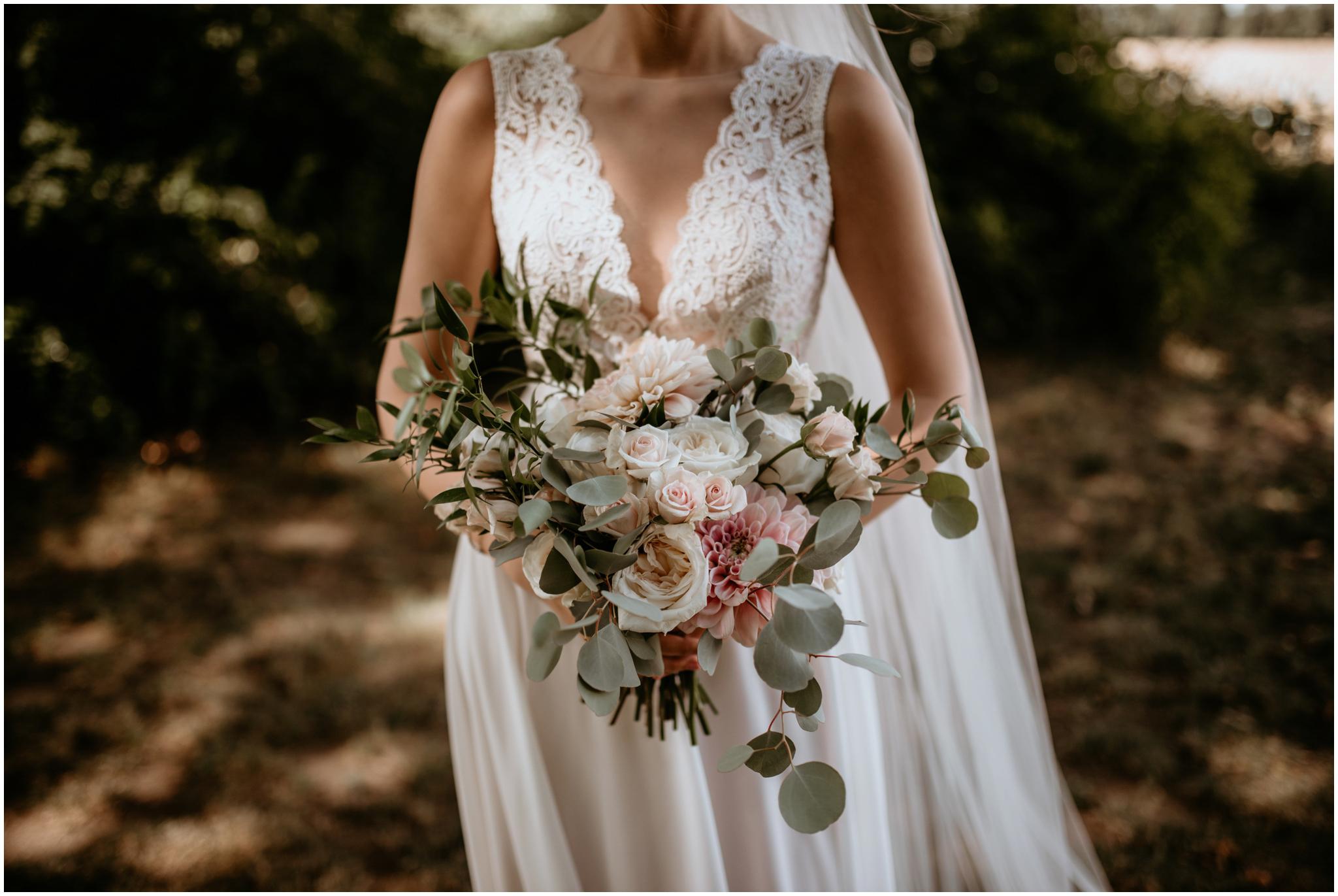 erin-and-tyler-evergreen-gardens-bellingham-wedding-photographer-077.jpg