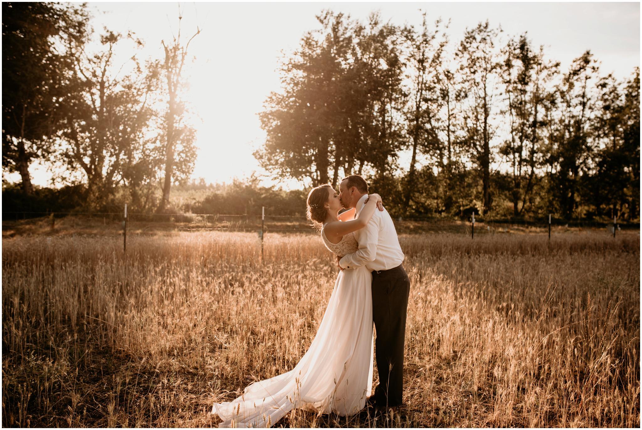 erin-and-tyler-evergreen-gardens-bellingham-wedding-photographer-113.jpg