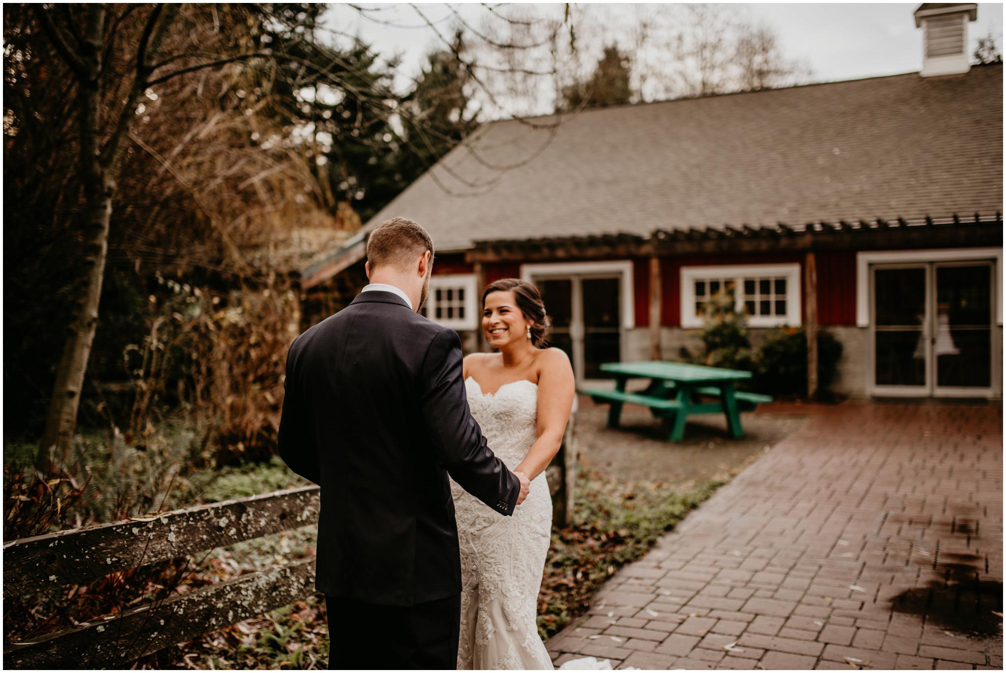 ashley-tj-the-pickering-barn-winter-wedding-seattle-photographer-021.jpg