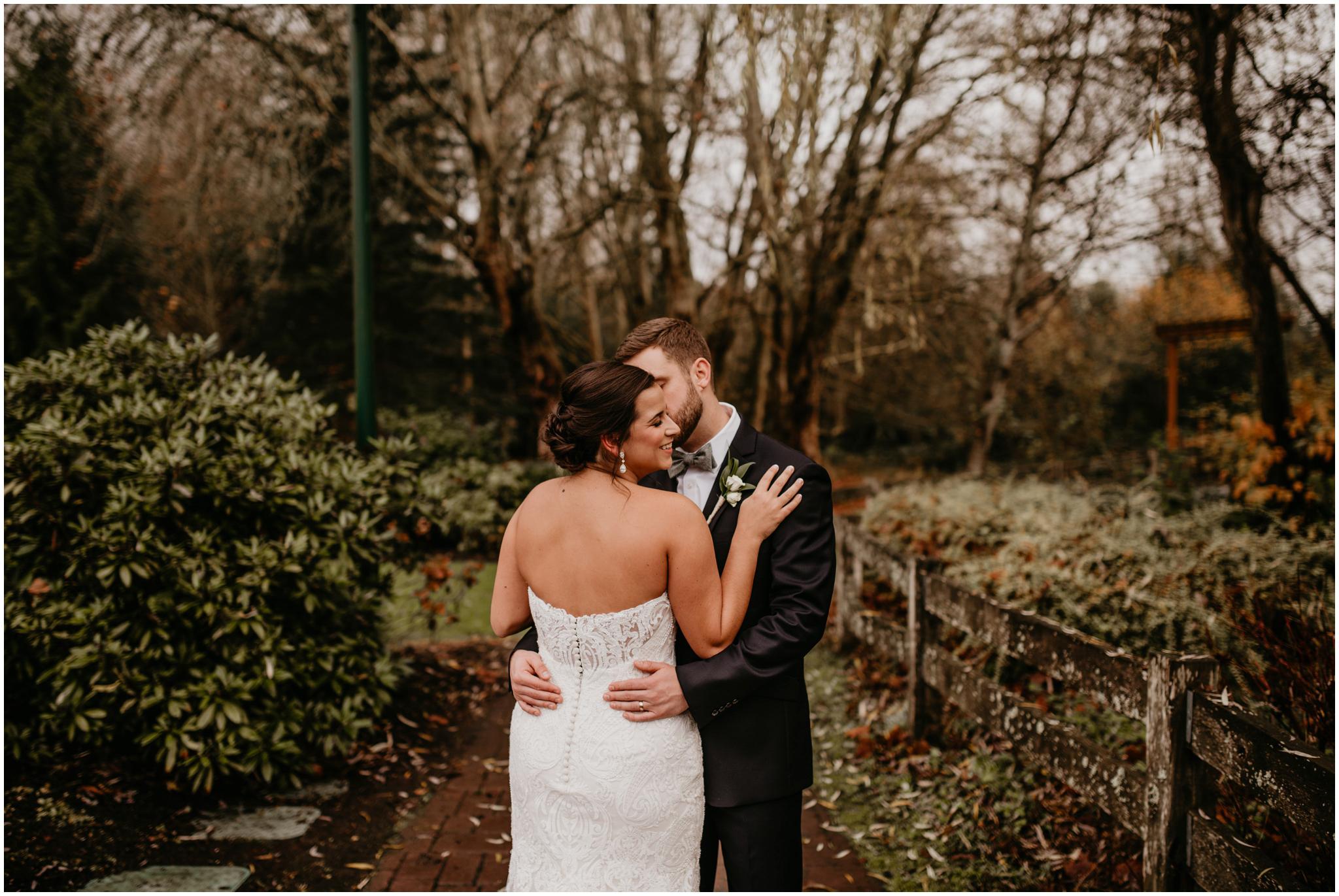 ashley-tj-the-pickering-barn-winter-wedding-seattle-photographer-028.jpg