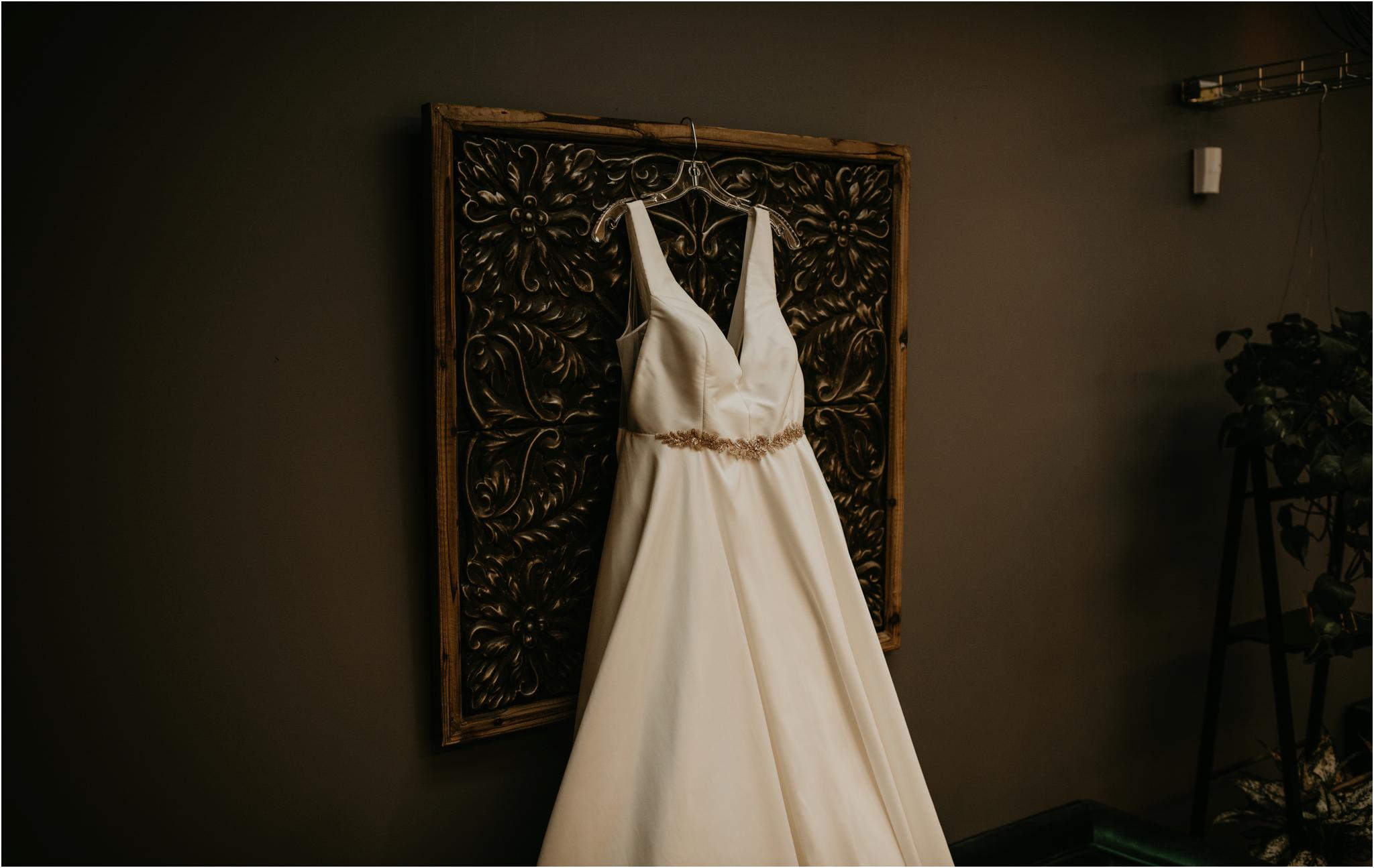 ashley-and-david-fremont-foundry-seattle-washington-wedding-photographer-002.jpg