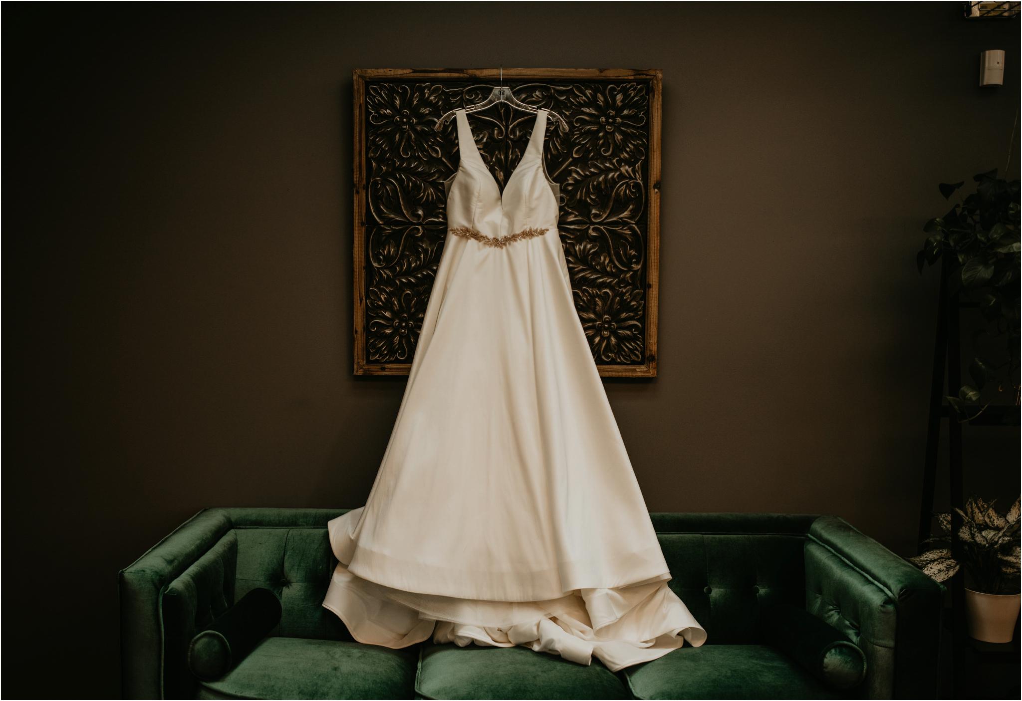 ashley-and-david-fremont-foundry-seattle-washington-wedding-photographer-001.jpg