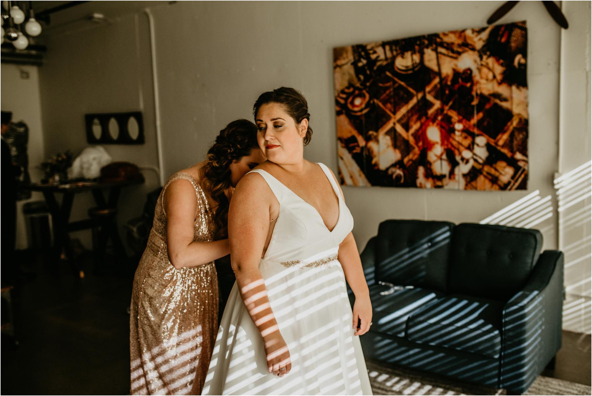 ashley-and-david-fremont-foundry-seattle-washington-wedding-photographer-010.jpg
