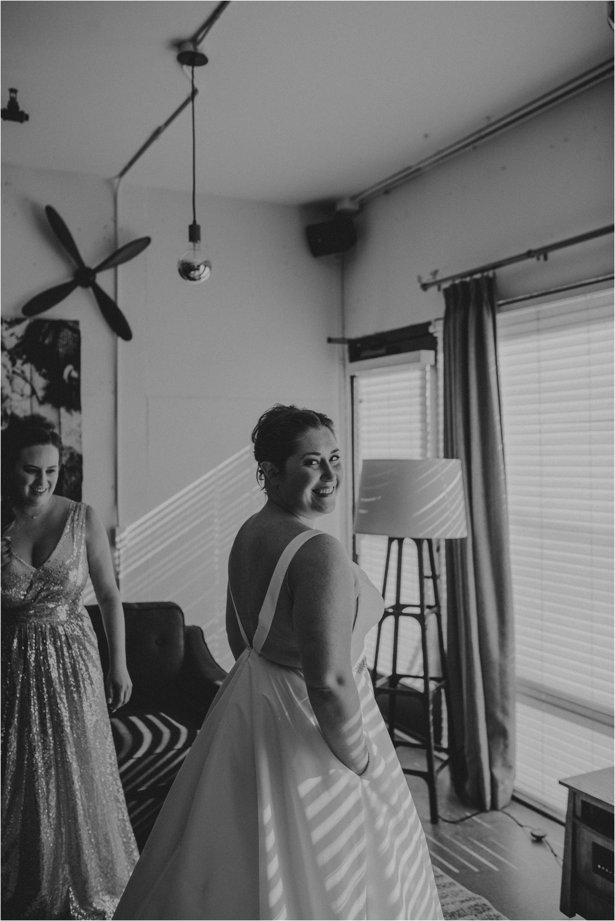 ashley-and-david-fremont-foundry-seattle-washington-wedding-photographer-011.jpg