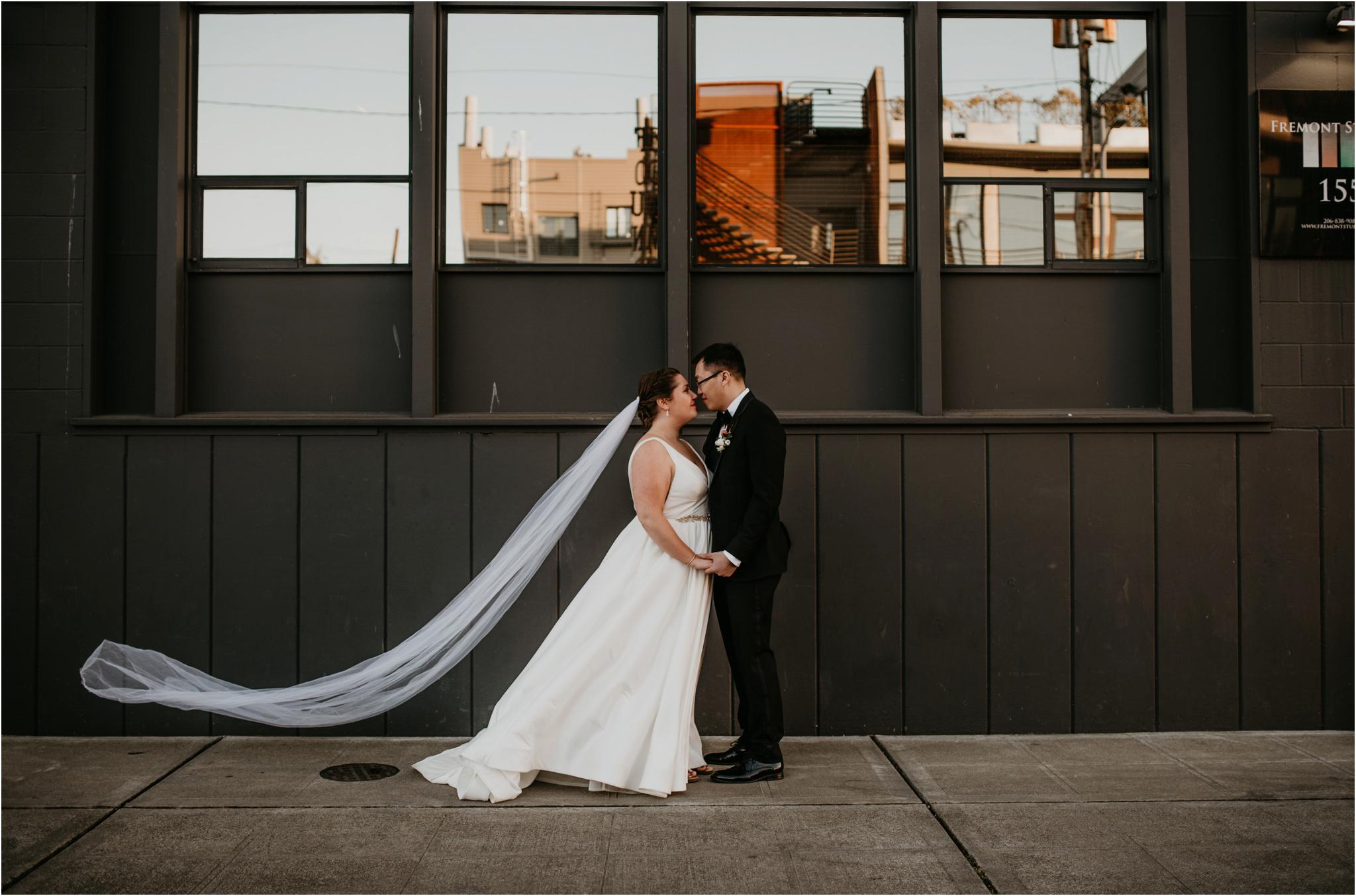 ashley-and-david-fremont-foundry-seattle-washington-wedding-photographer-085.jpg