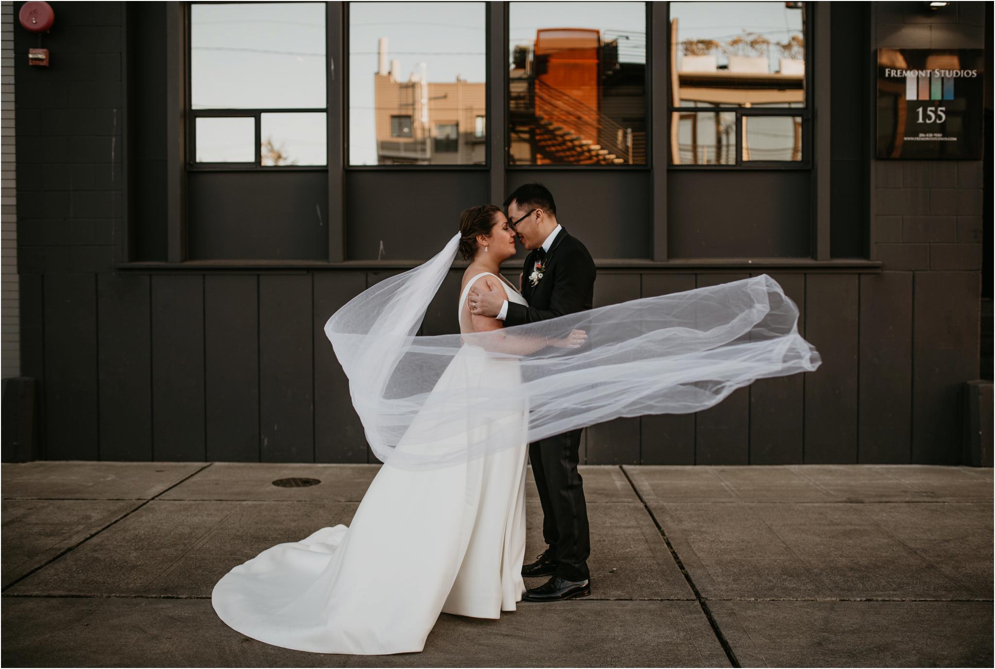 ashley-and-david-fremont-foundry-seattle-washington-wedding-photographer-086.jpg
