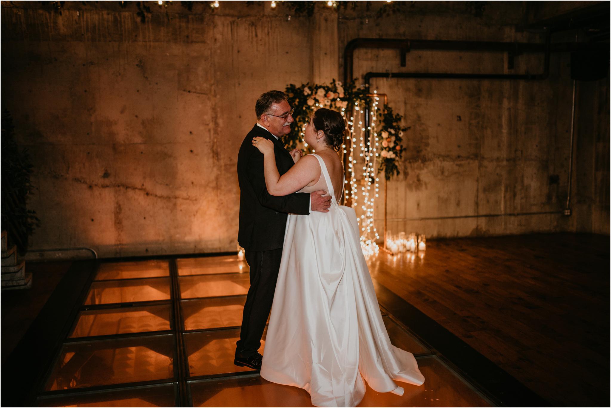 ashley-and-david-fremont-foundry-seattle-washington-wedding-photographer-129.jpg