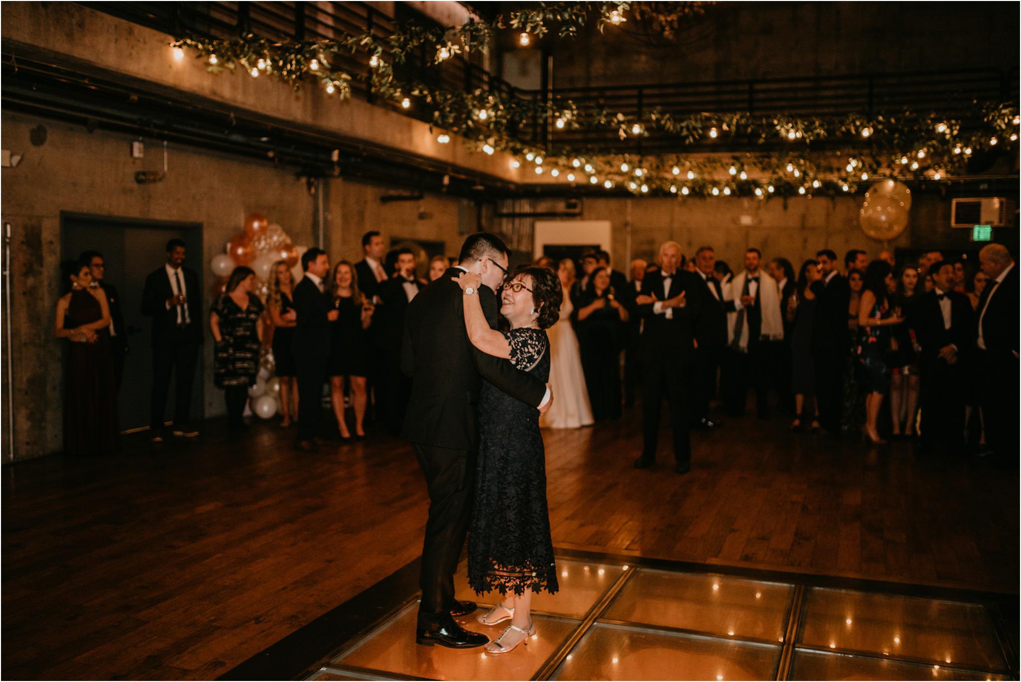 ashley-and-david-fremont-foundry-seattle-washington-wedding-photographer-131.jpg