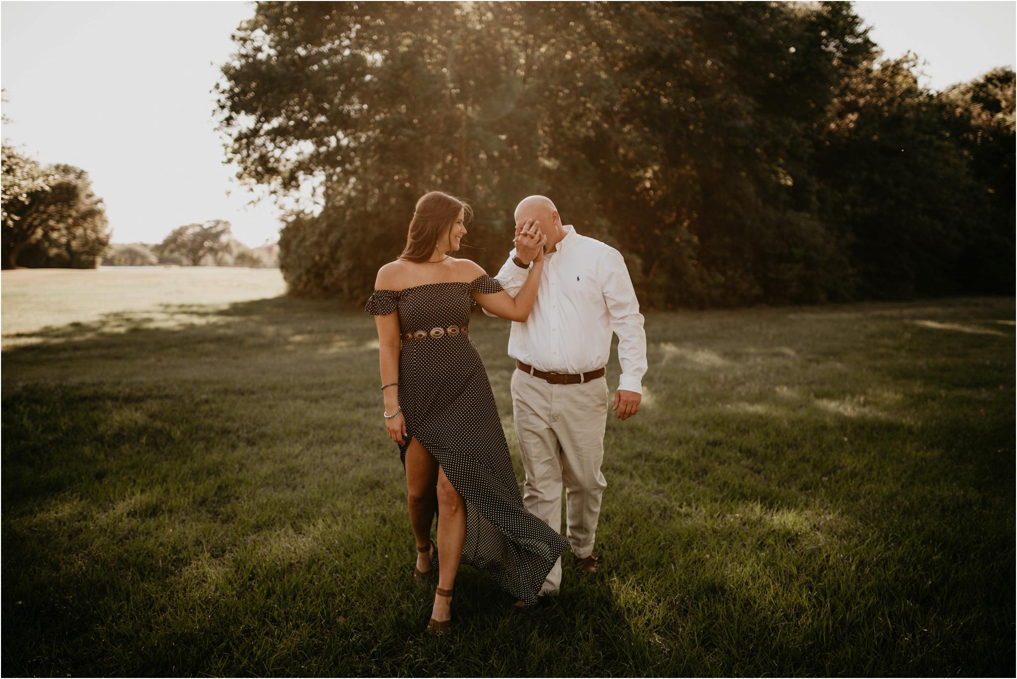 katie-and-eric-houston-oaks-engagement-session-houston-wedding-photographer-004.jpg