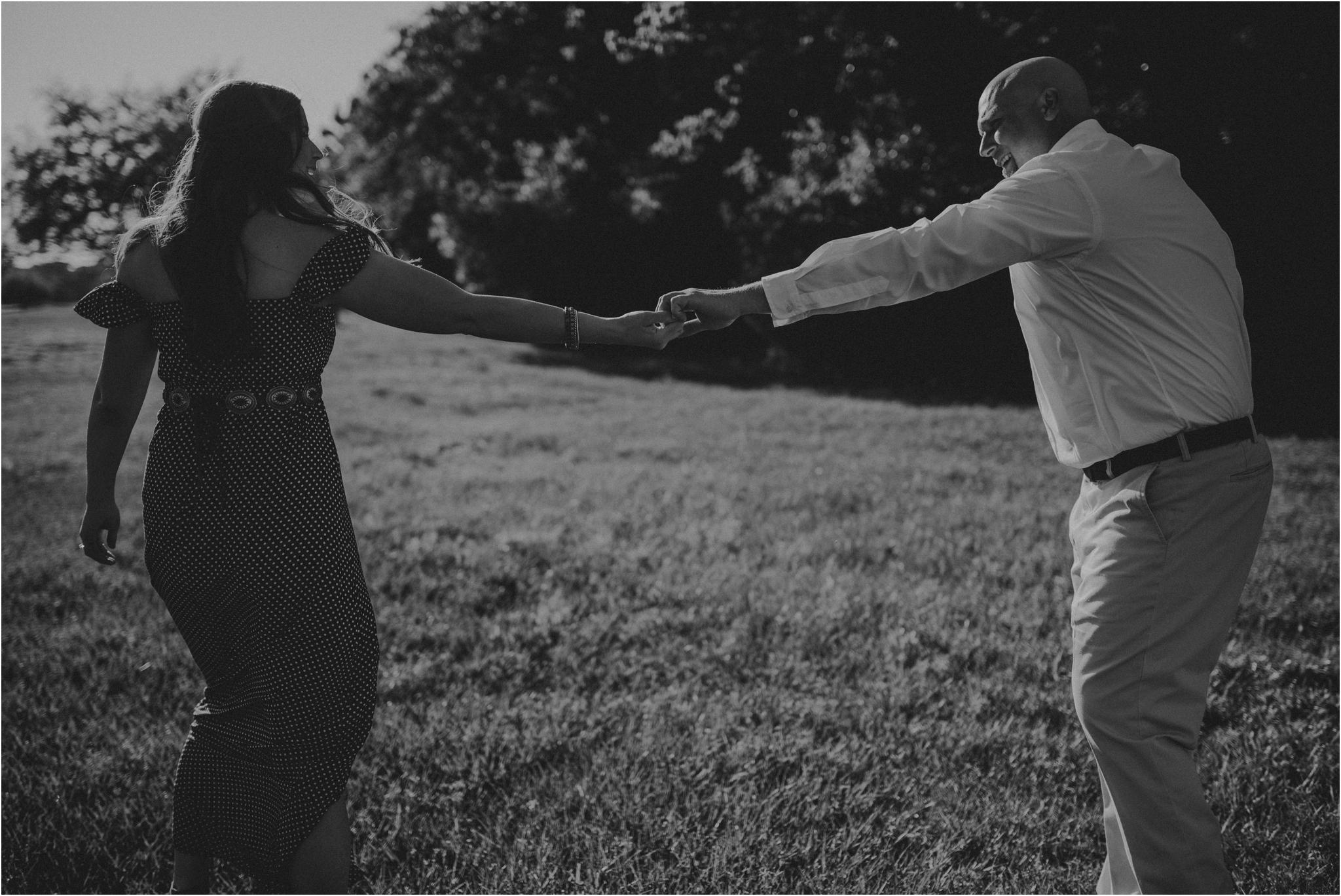katie-and-eric-houston-oaks-engagement-session-houston-wedding-photographer-010.jpg