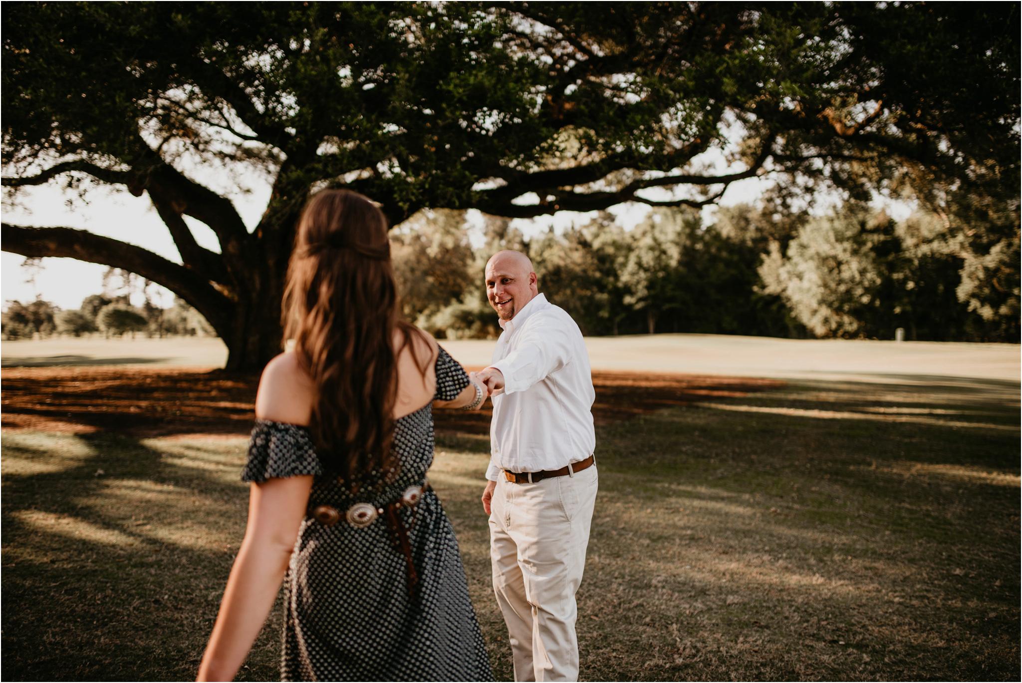 katie-and-eric-houston-oaks-engagement-session-houston-wedding-photographer-014.jpg