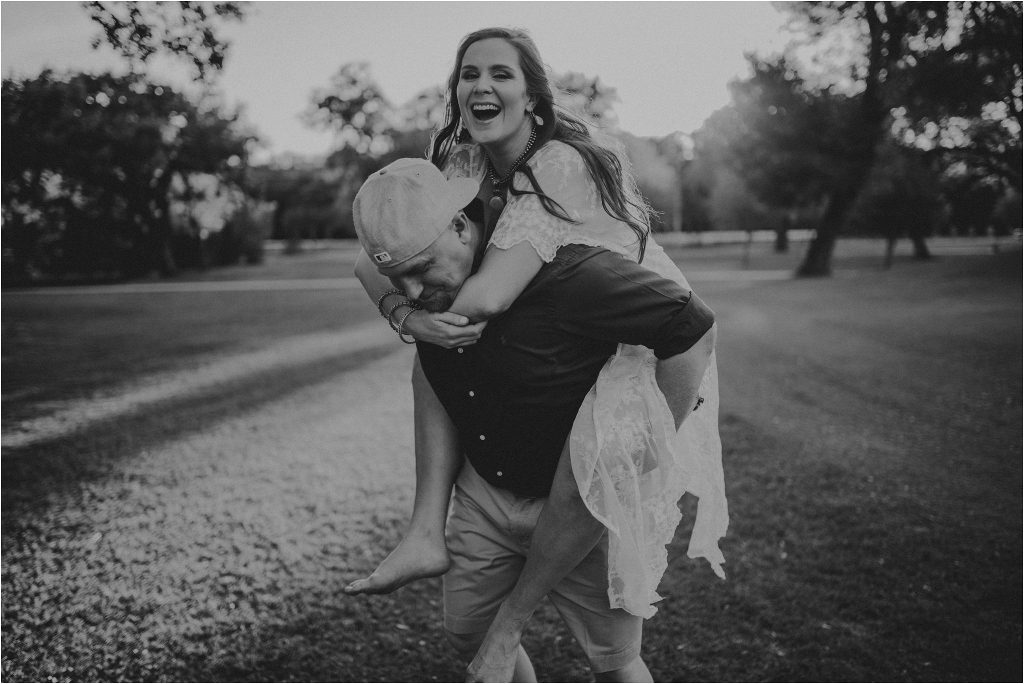katie-and-eric-houston-oaks-engagement-session-houston-wedding-photographer-027.jpg