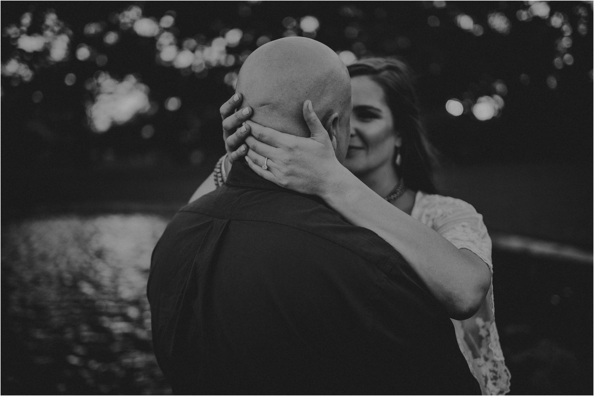 katie-and-eric-houston-oaks-engagement-session-houston-wedding-photographer-038.jpg