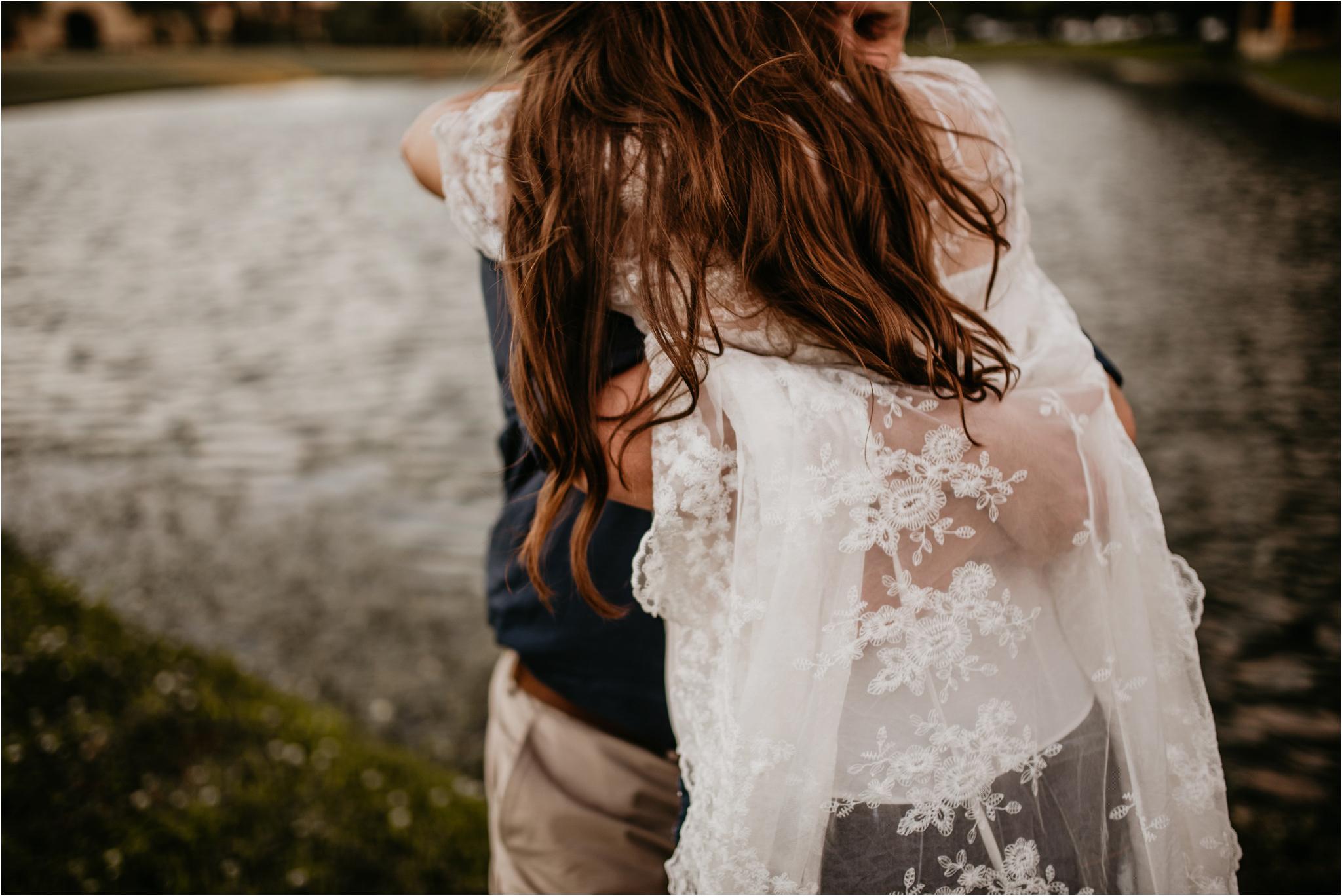 katie-and-eric-houston-oaks-engagement-session-houston-wedding-photographer-039.jpg