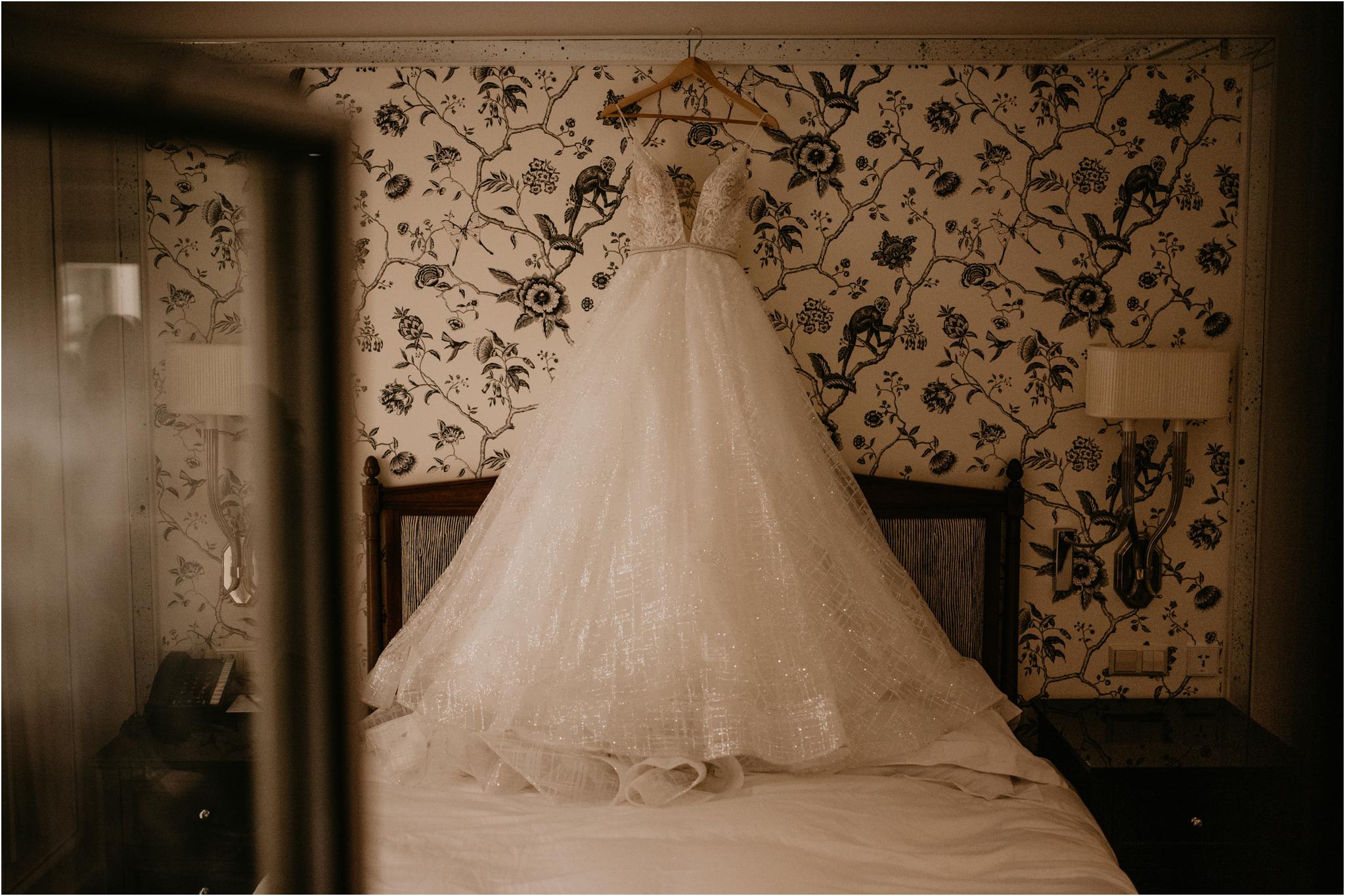 miranda-and-jared-paris-elopement-destination-wedding-photographer-001.jpg