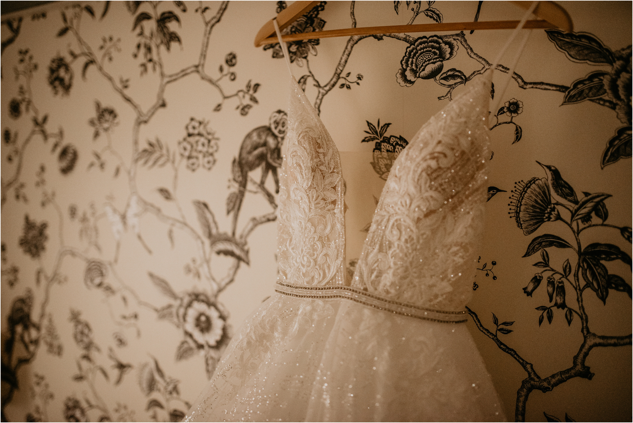 miranda-and-jared-paris-elopement-destination-wedding-photographer-003.jpg