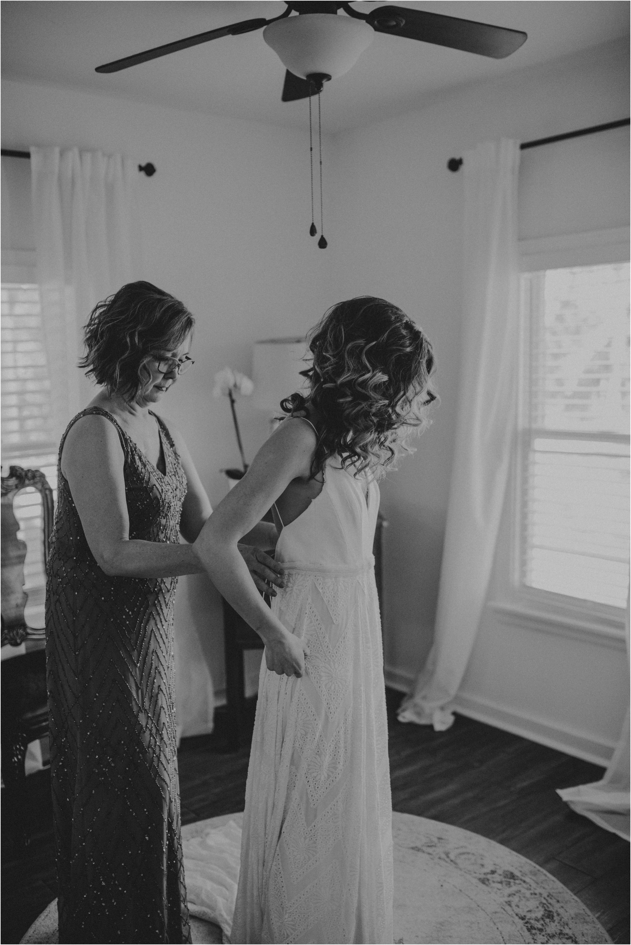 jillian-and-scott-pecan-springs-ranch-texas-and-washington-wedding-photographer-017.jpg