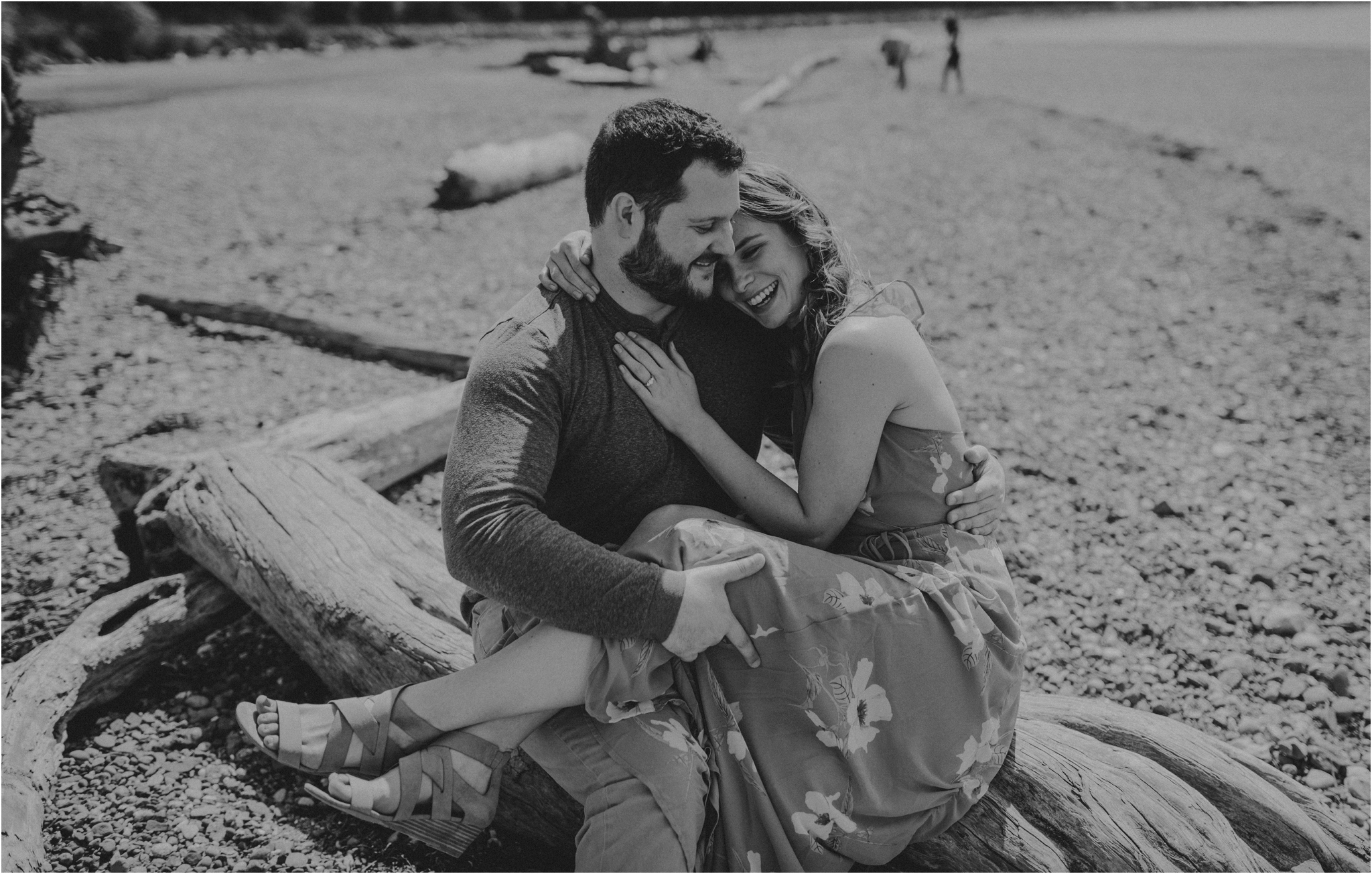 erin-and-eric-carkeek-park-seattle-engagement-session-009.jpg