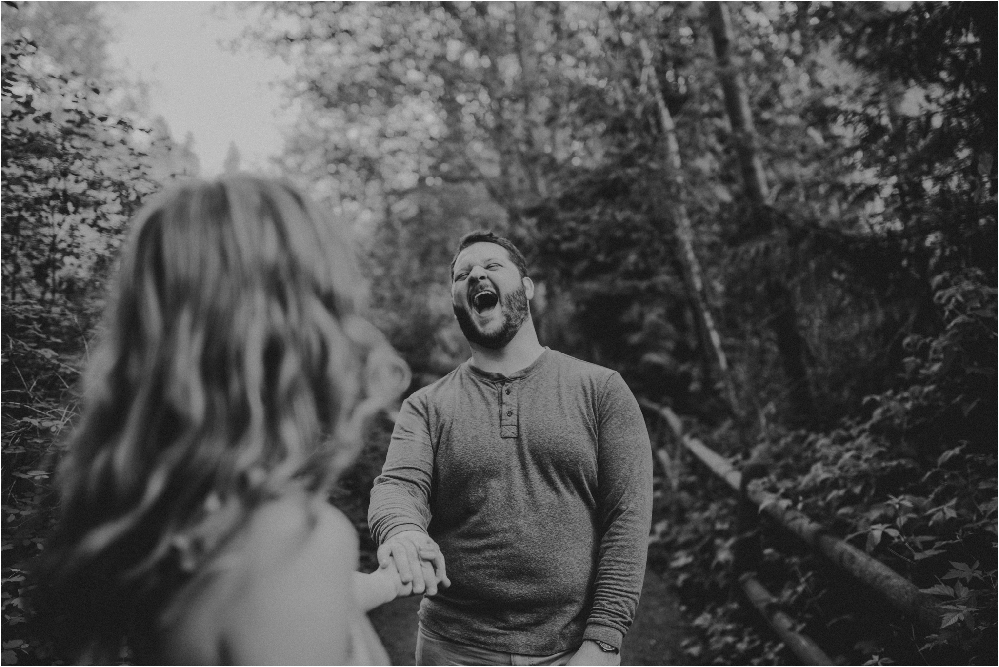 erin-and-eric-carkeek-park-seattle-engagement-session-020.jpg