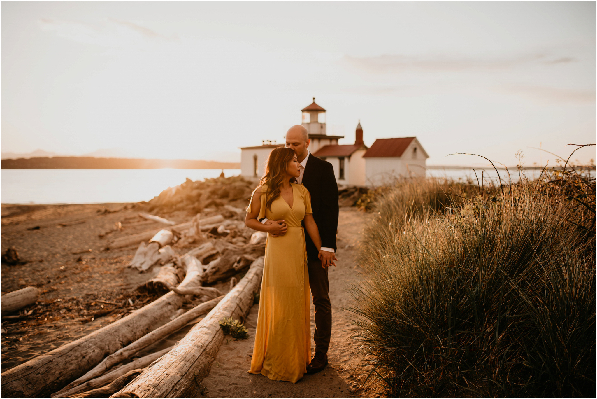 thuy-and-andrew-discovery-park-seattle-beach-engagement-session-027.jpg