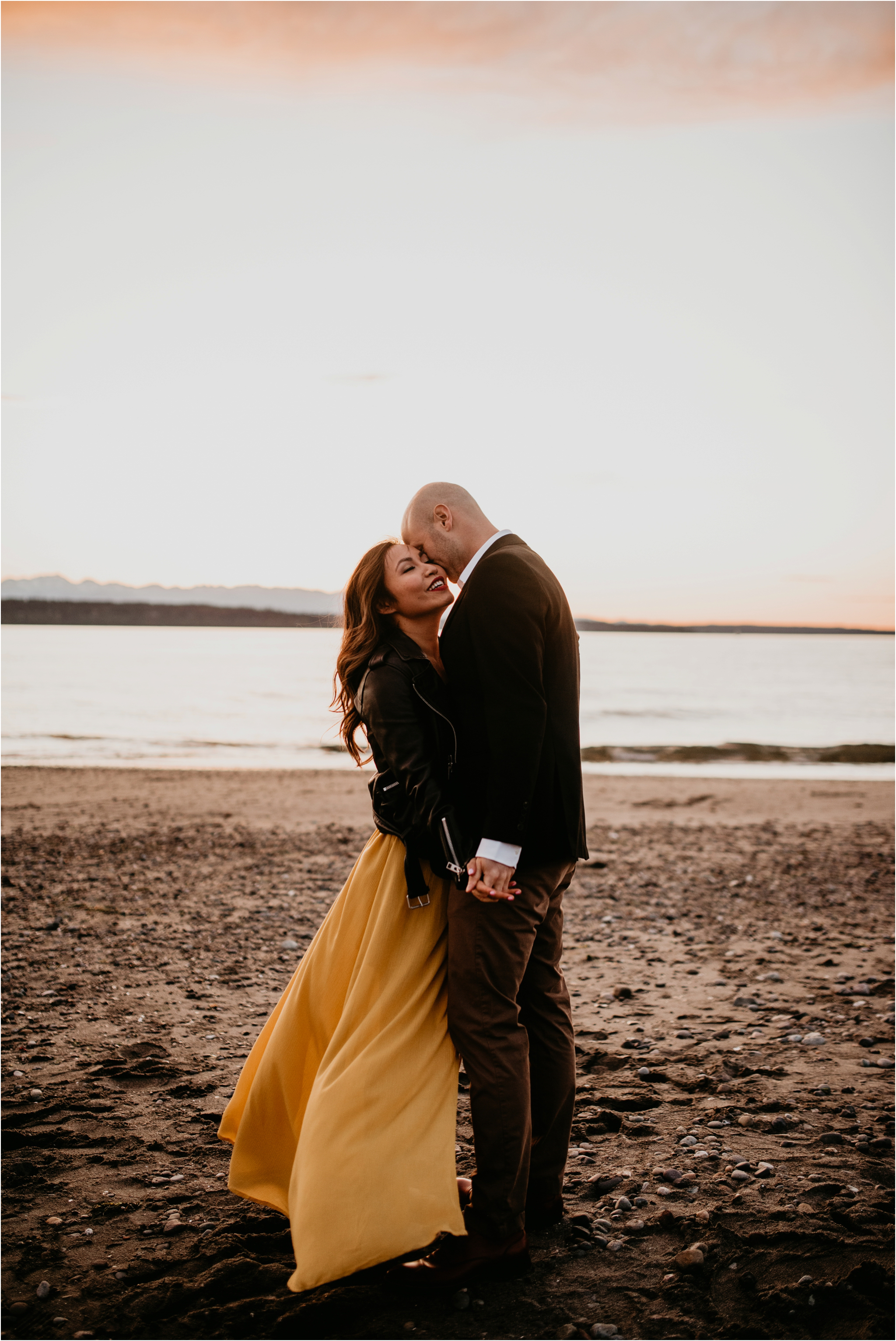 thuy-and-andrew-discovery-park-seattle-beach-engagement-session-042.jpg