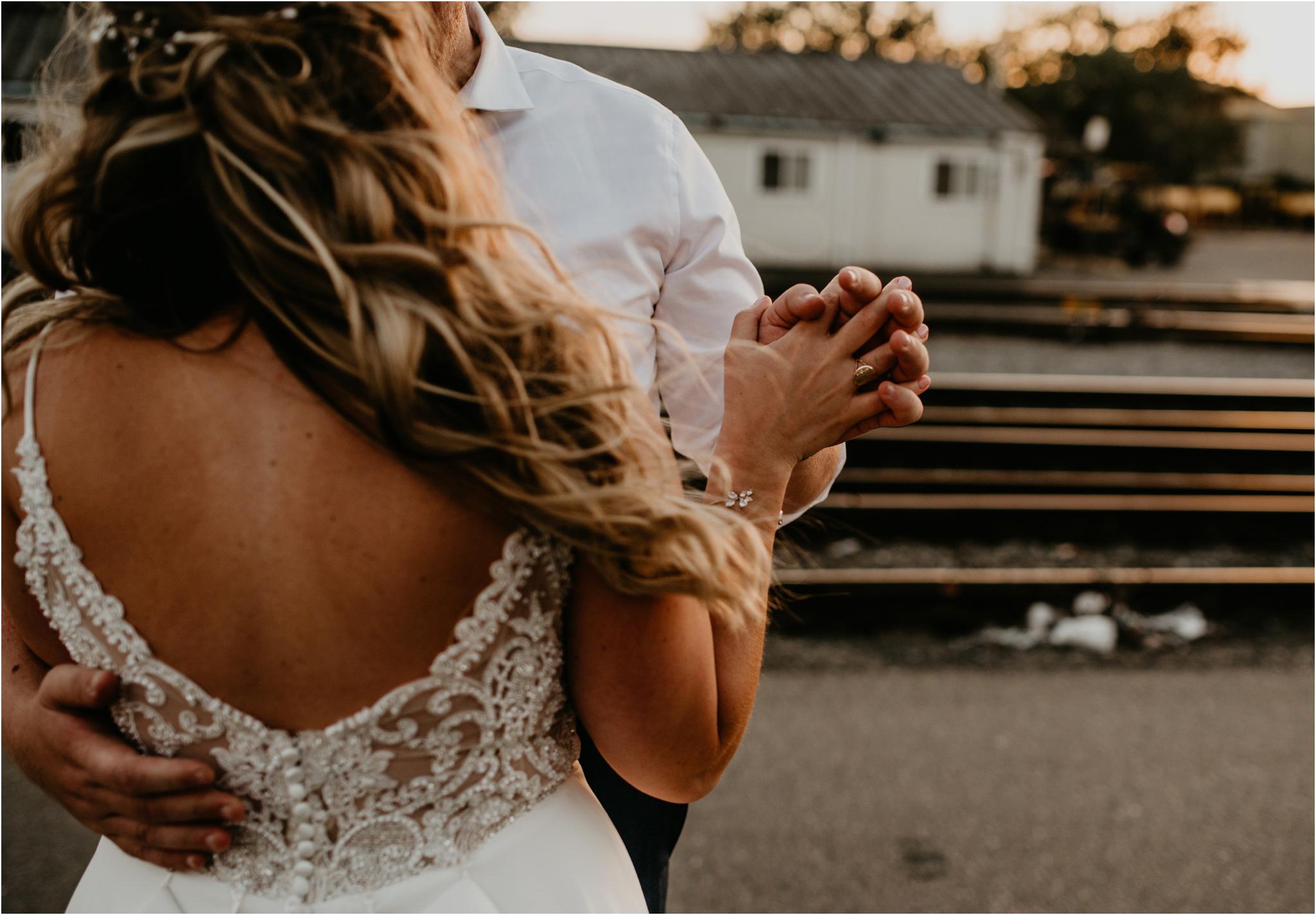 laura-and-matt-metropolist-urban-seattle-wedding-photographer-150.jpg