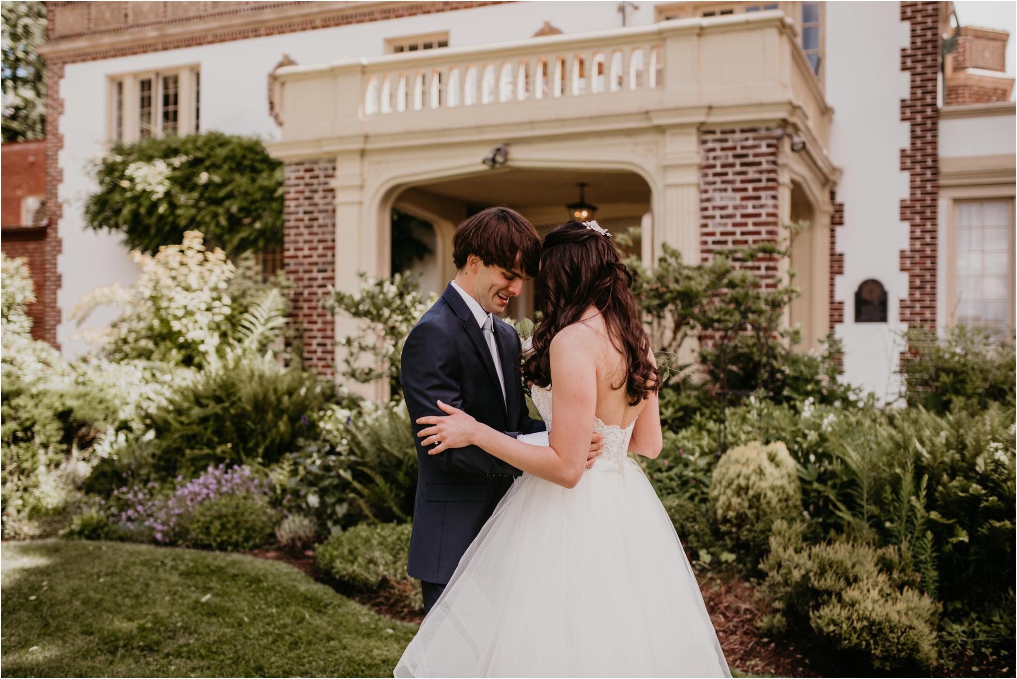 chance-and-ondrea-lairmont-manor-wedding-seattle-photographer-031.jpg