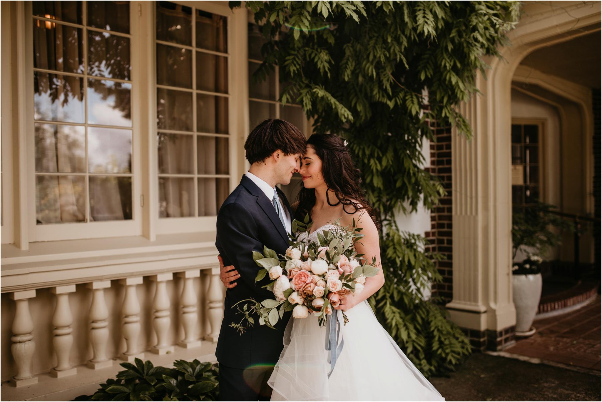 chance-and-ondrea-lairmont-manor-wedding-seattle-photographer-039.jpg