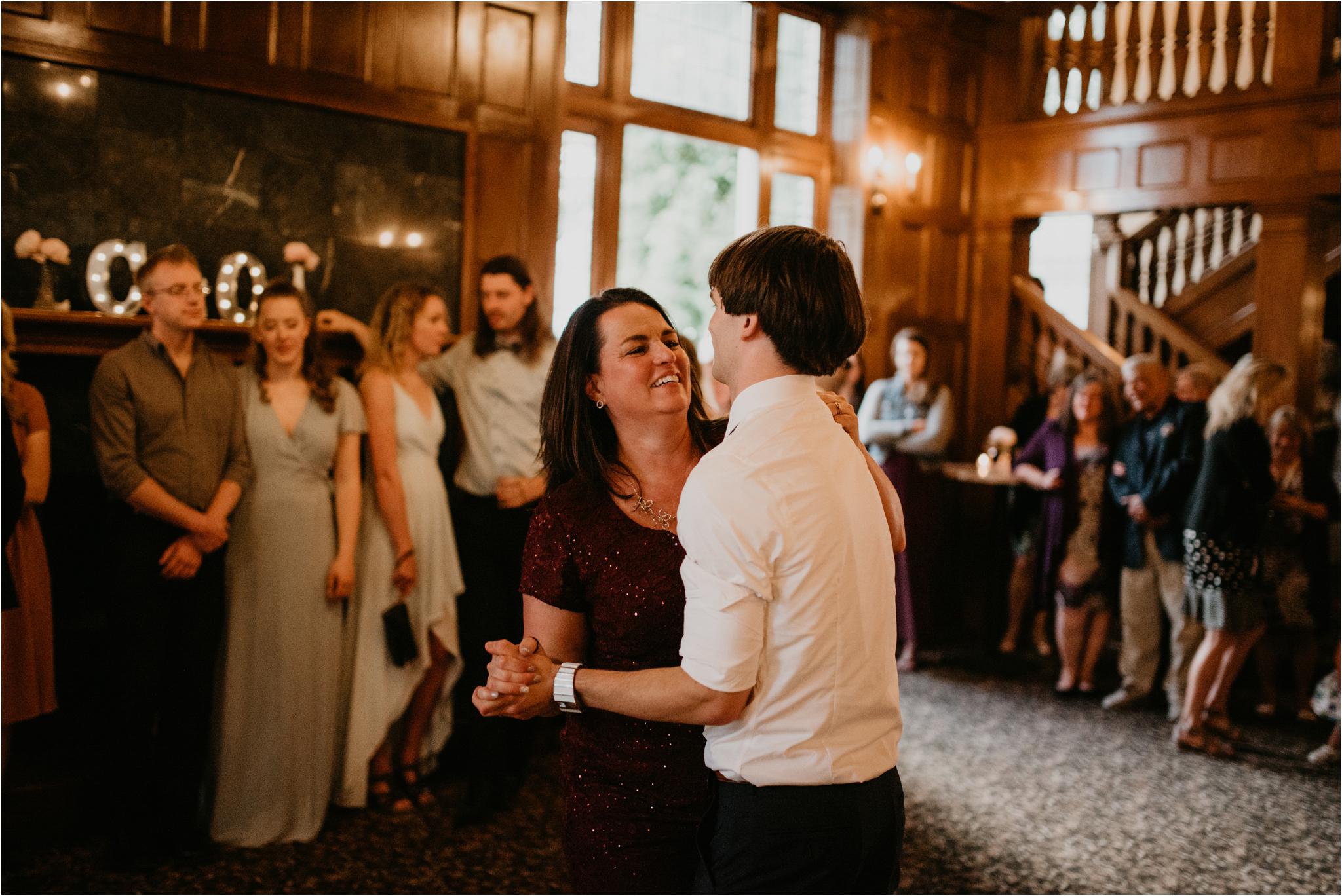 chance-and-ondrea-lairmont-manor-wedding-seattle-photographer-136.jpg