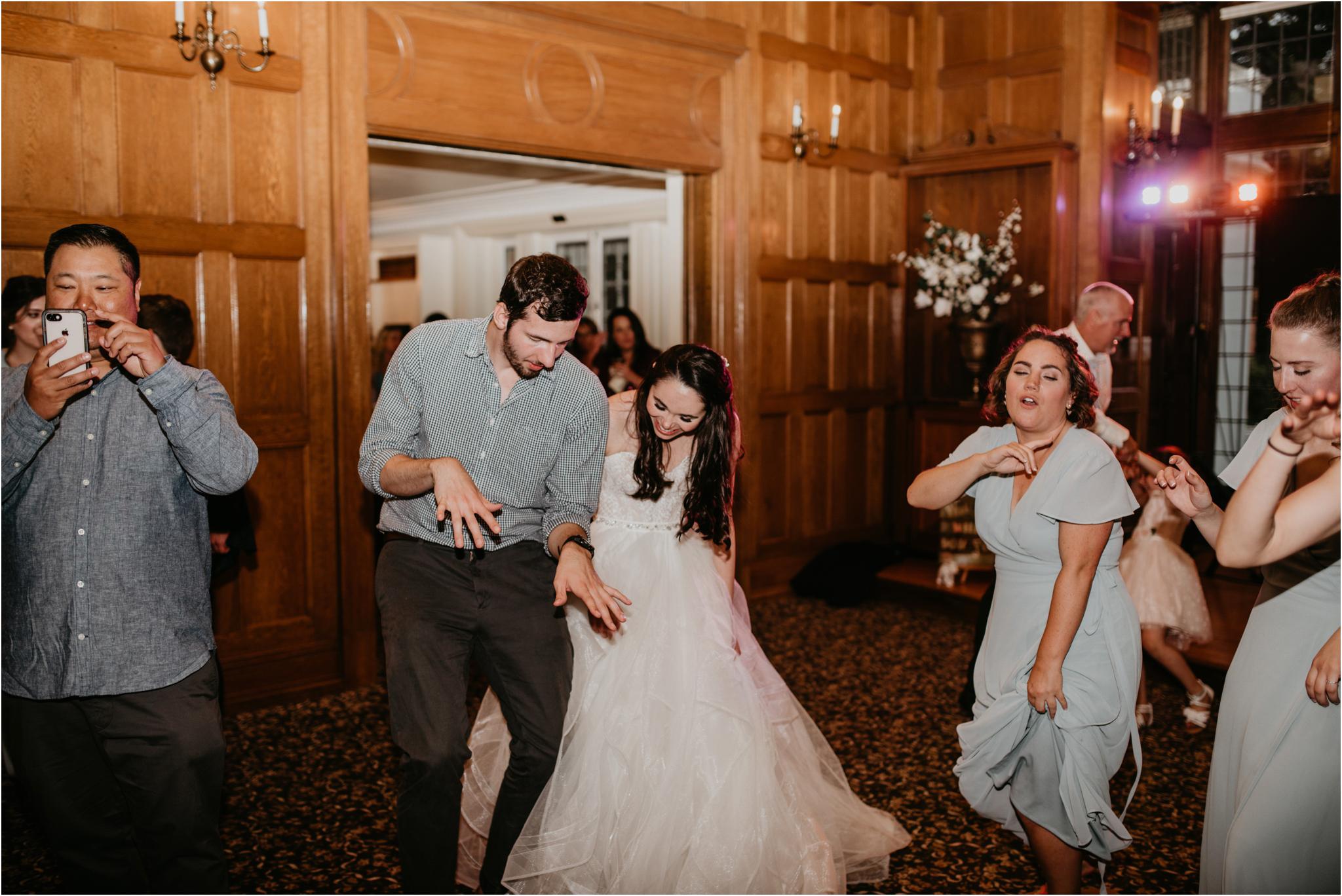 chance-and-ondrea-lairmont-manor-wedding-seattle-photographer-144.jpg