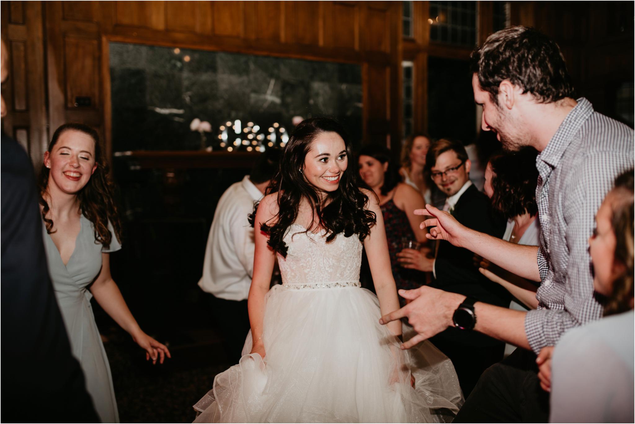 chance-and-ondrea-lairmont-manor-wedding-seattle-photographer-148.jpg