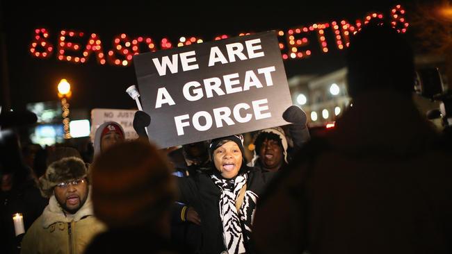 la-na-ferguson-women-protests-20141122-004.jpg