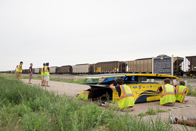 The team prepares Aurum for its End of Day charge outside of Alliance, Nebraska.