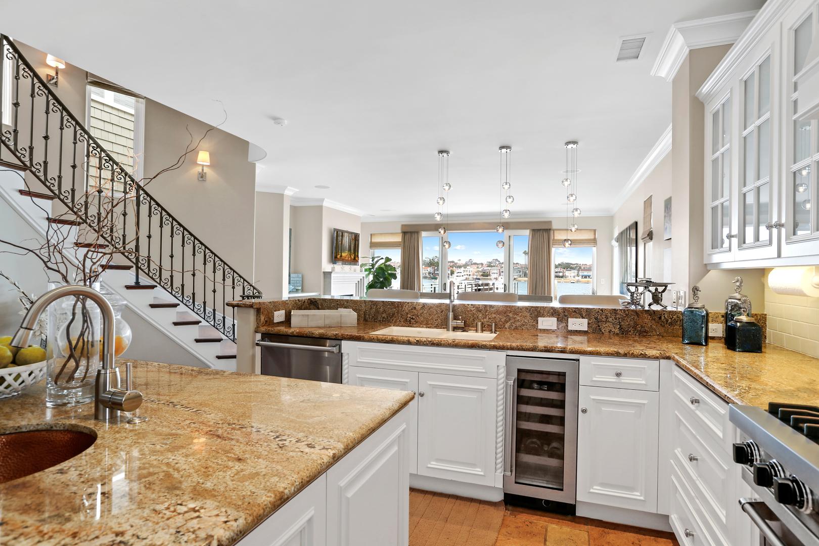 Kitchen4-MLS.jpg