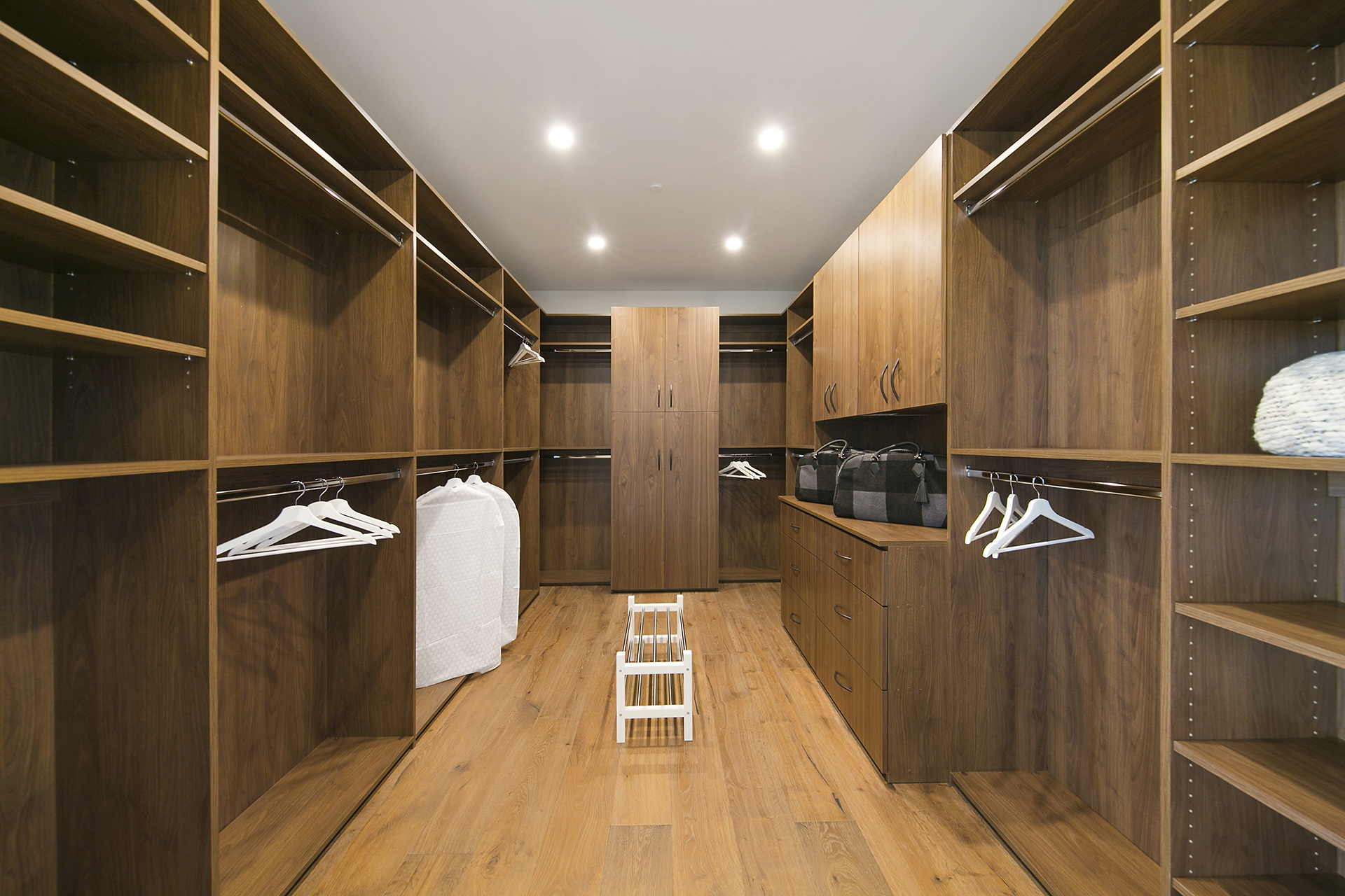 Interior11Web.jpg