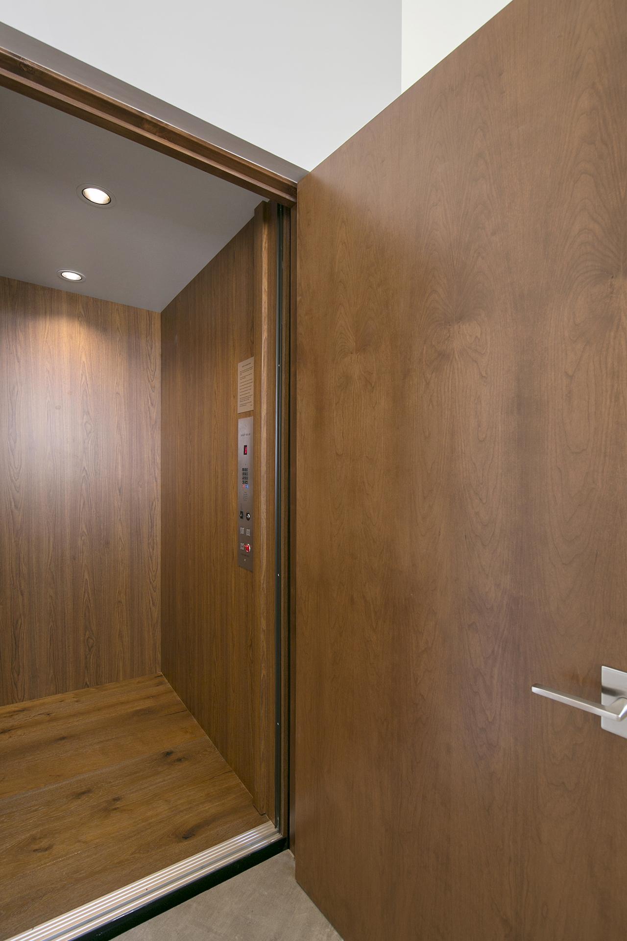 Interior41Web.jpg