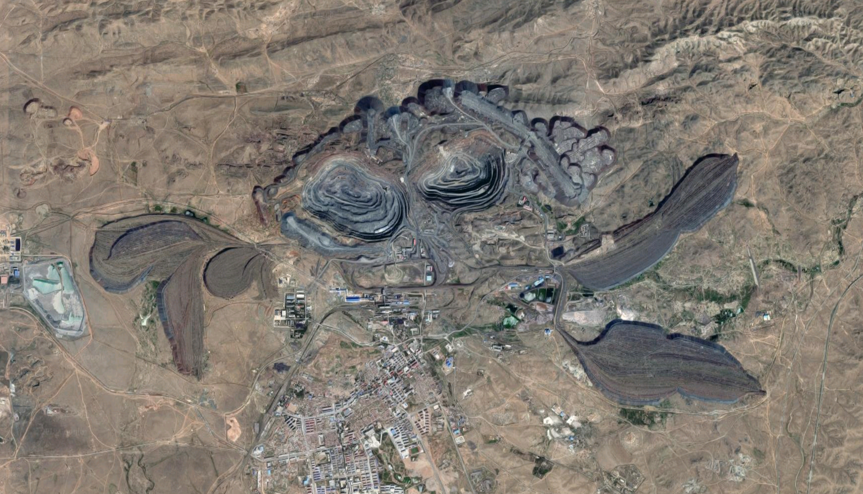 Bayan Obo Mining District as seen from Satellite (2018)