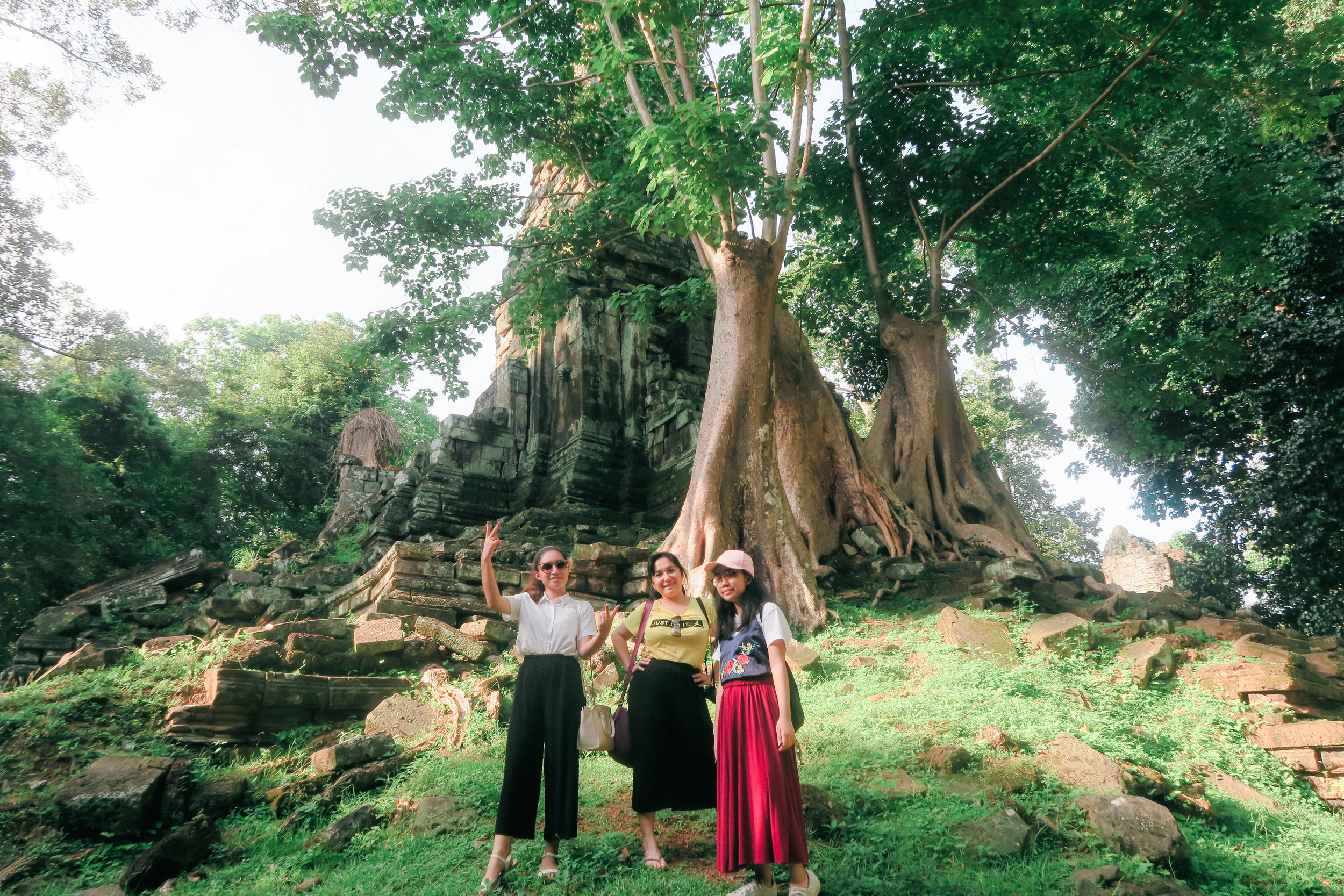 Lyka, mom, and Shang at Preah Palilay