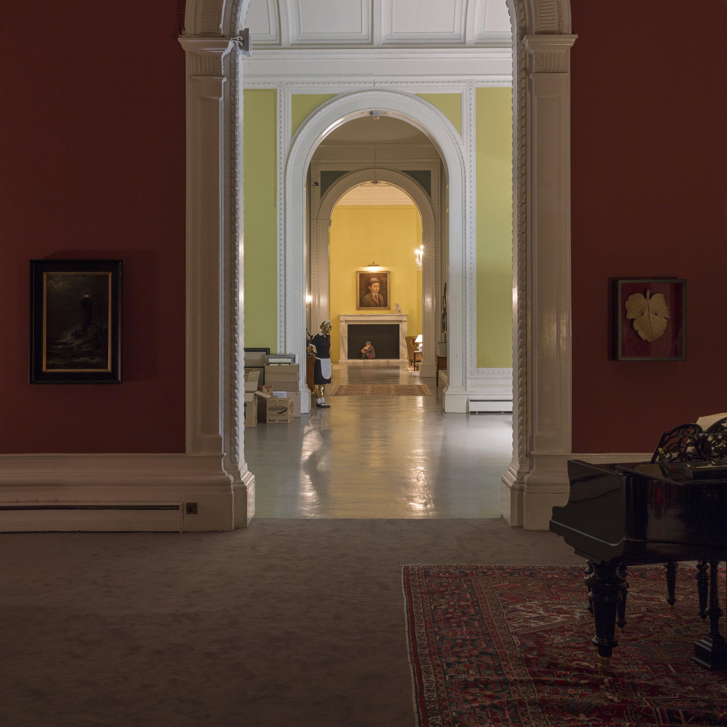 Frå Tomorrow av Elmgreen & Dragset. Foto: Anders Sune Berg / Victoria and Albert Museum, London.
