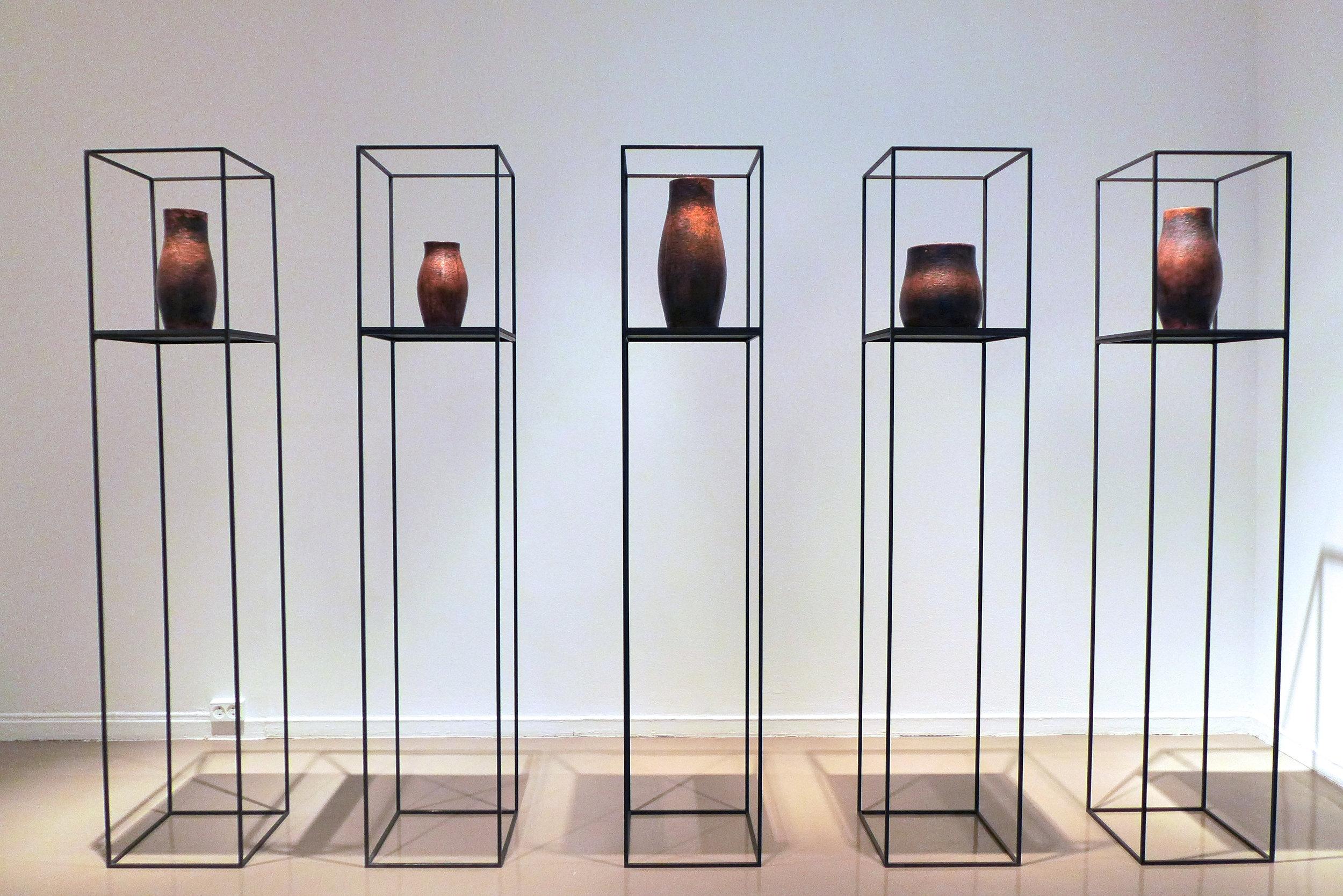 Elin Hedberg,  Forandringer . Objekter i tre. Objekter i kobber.