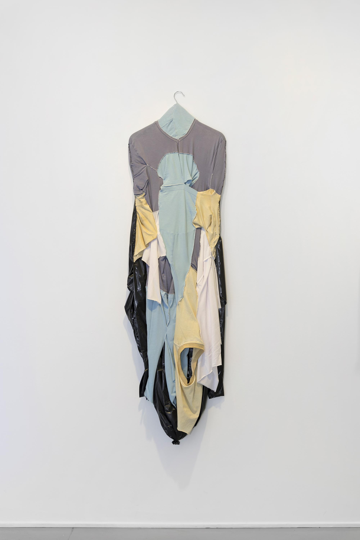 Leif Holmstrand, Self Portrait (2016), textile wall sculpture:T-shirt fabric,garbage bag plastic et cetera.Foto: Øystein Thorvaldsen