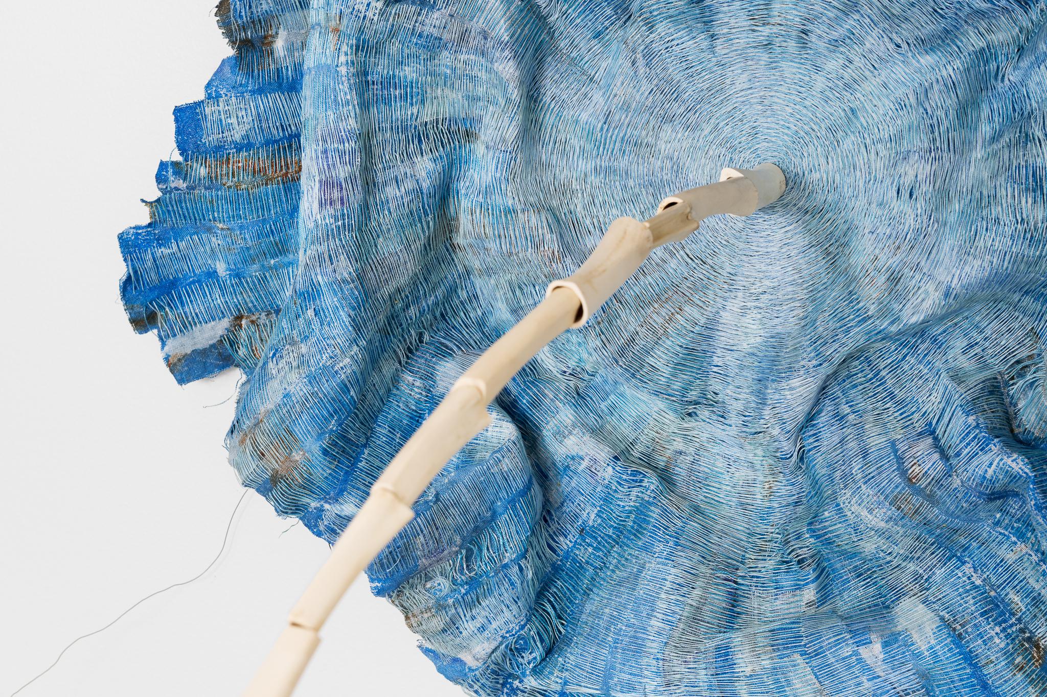 Aslaug M. Juliussen,  Multiple Stiches – sight in absence , 2016. (Detalj) Vegg/gulvobjekt i tekstilm broderi, beinpiper og hestetagl. Foto: Istvan Virag