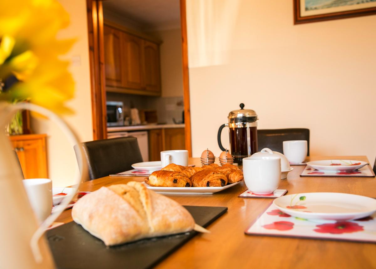 breakfastroom.jpg