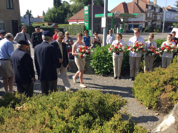 Minister King lays a wreath at Kortrijk with Ambassador Award student Kayla Ford