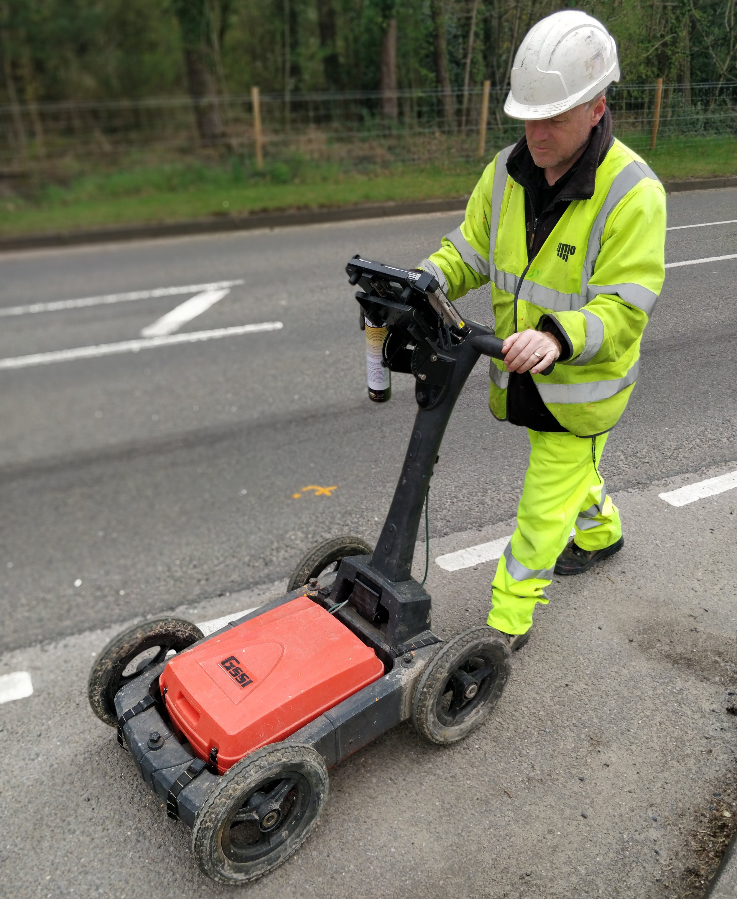 SUMO's dual frequency Ground Penetrating Radar system.